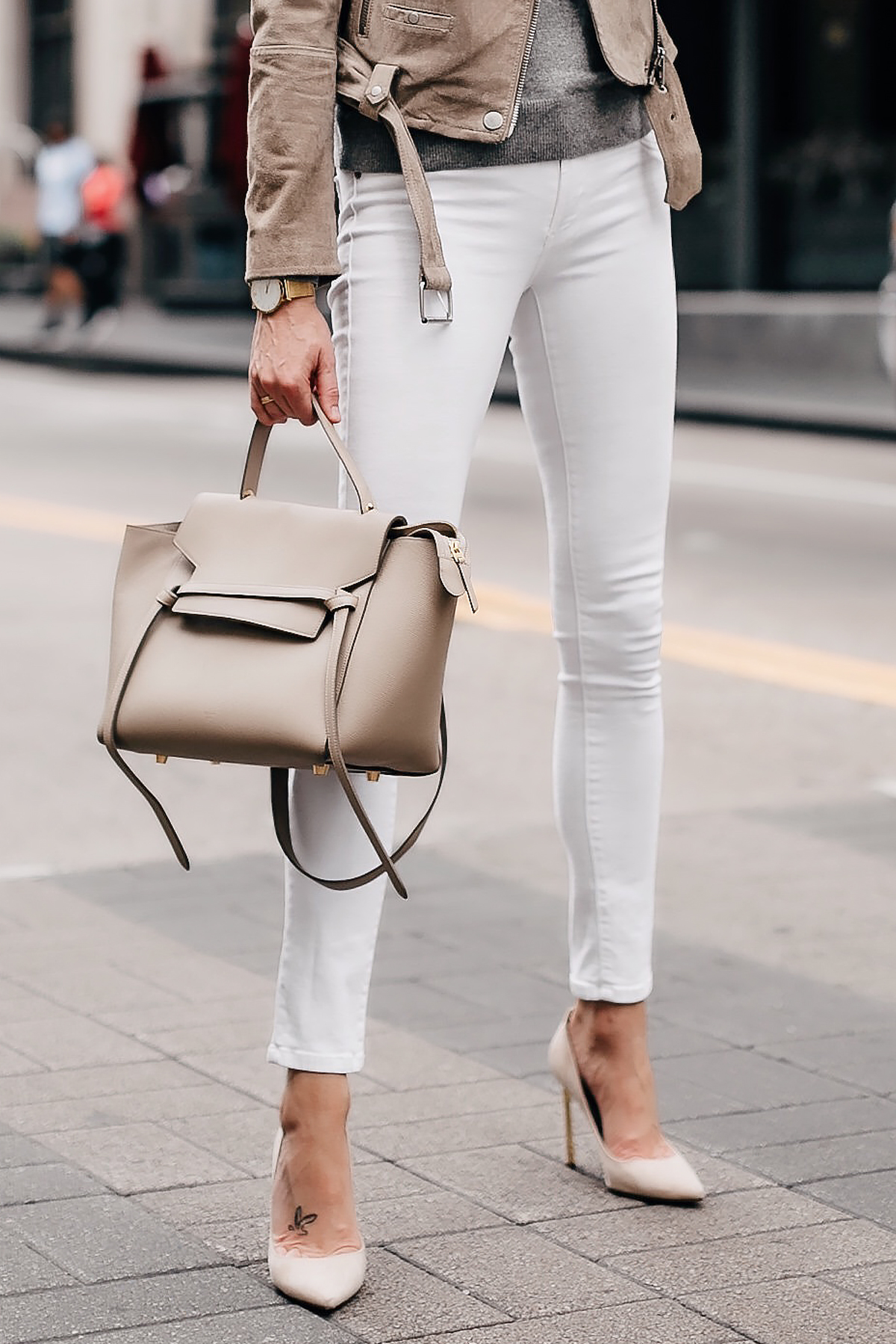 Woman Wearing White Skinny Jeans Celine Taupe Mini Belt Bag Nude Pumps Fashion Jackson San Diego Fashion Blogger Street Style