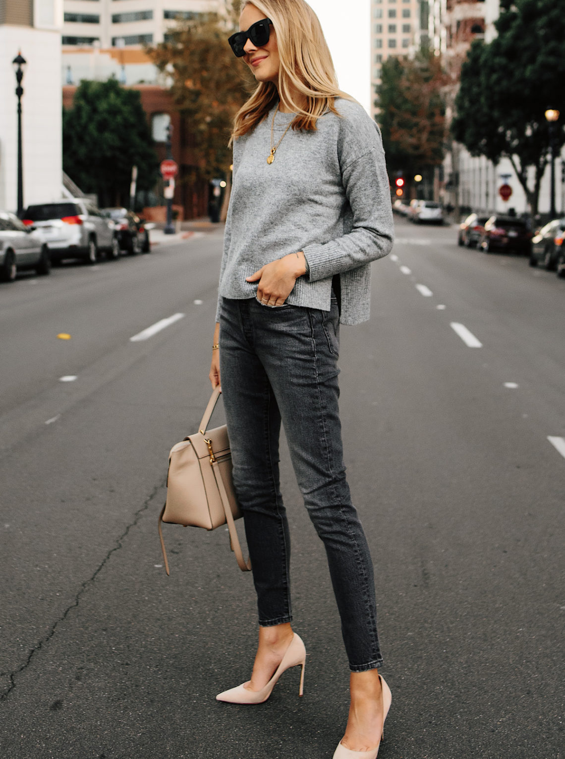 Blonde Woman Wearing Oversized Grey Sweater Levis 501 Grey High Waist Skinny Jeans Nude Pumps Fashion Jackson San Diego Fashion Blogger Street Style