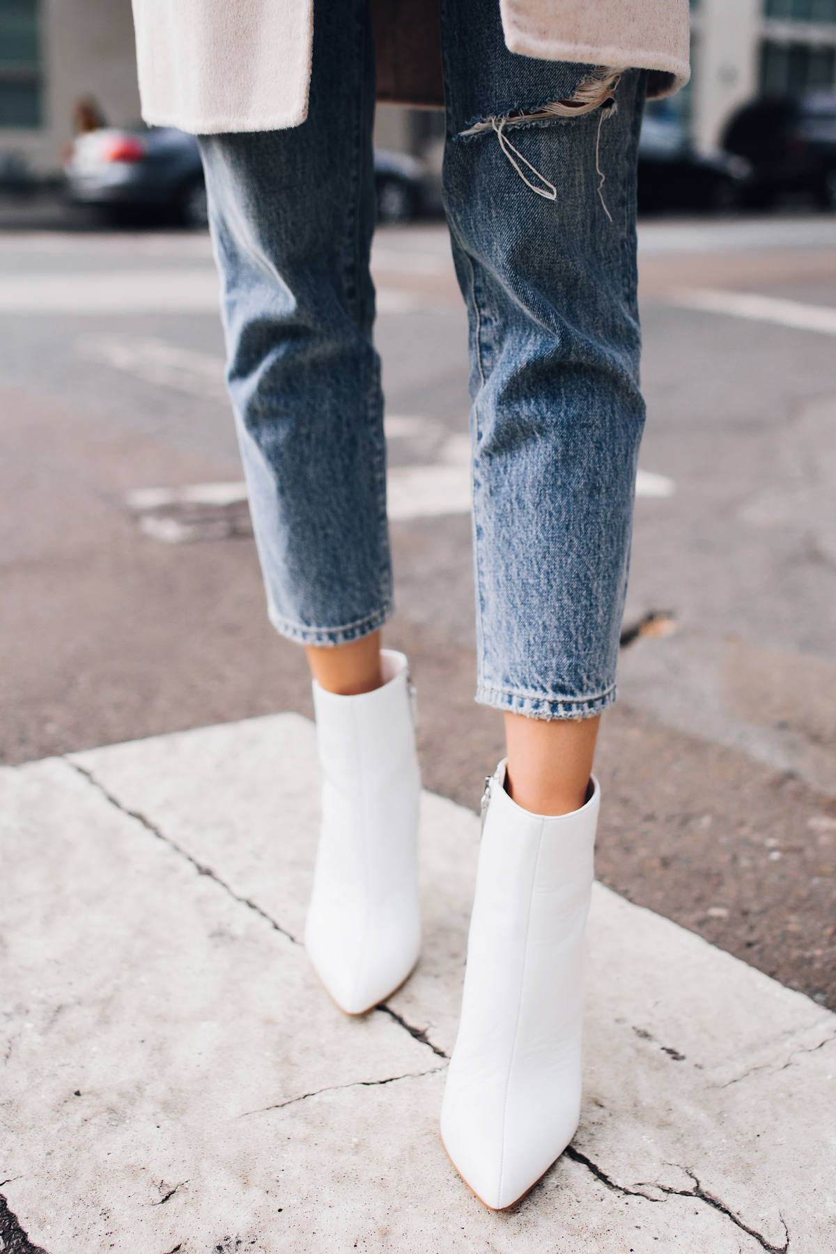 Woman Wearing White Heeled Ankle Booties Ankle Cropped Jeans Fashion Jackson San Diego Fashion Blogger Street Style