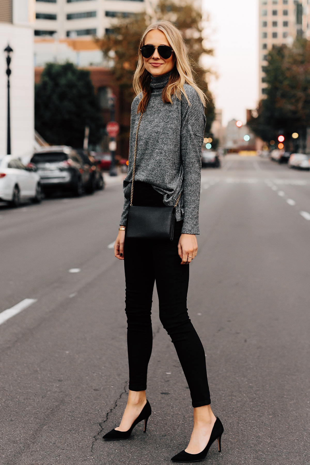 Blonde Woman Wearing Grey Turtleneck Top Black Skinny Jeans Black Pumps Outfit Fashion Jackson San Diego Fashion Blogger Street Style