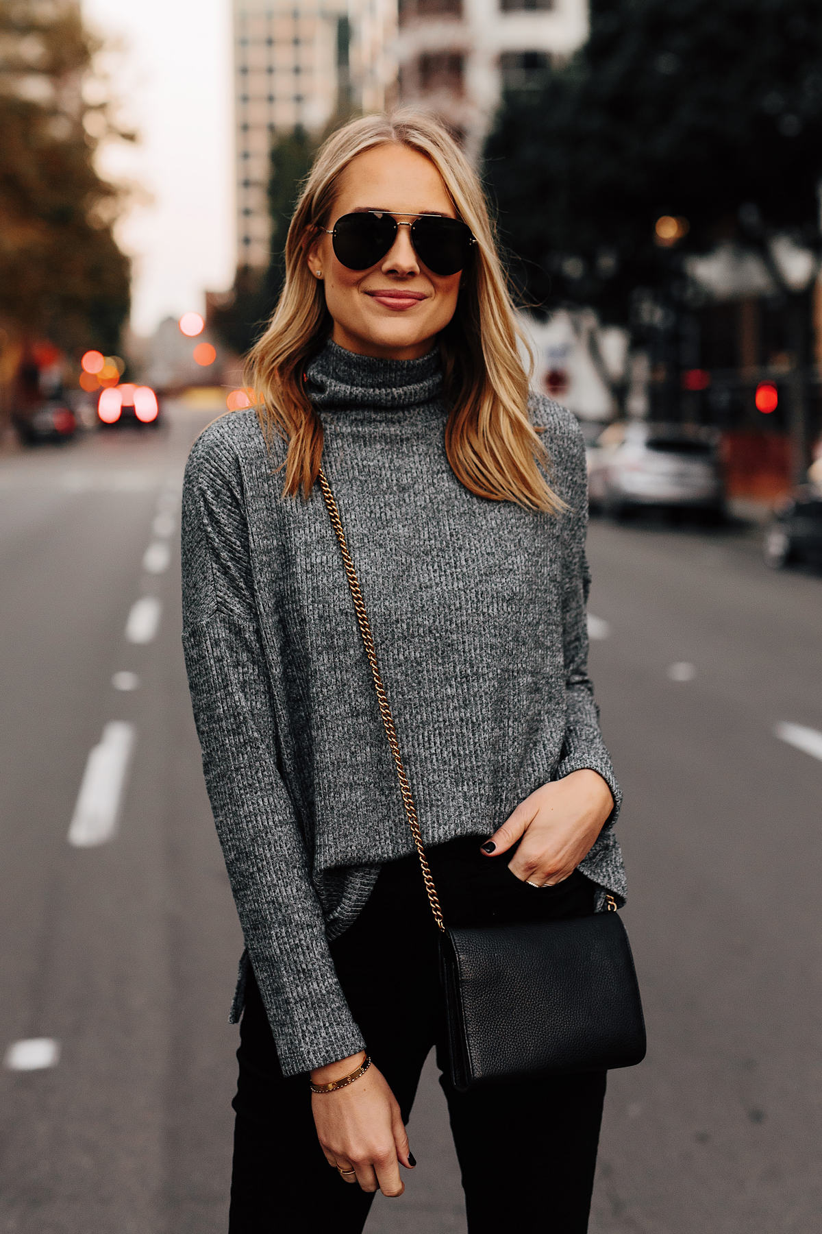 Blonde Woman Wearing Heather Grey Turtleneck Black Skinny Jeans Outfit Aviator Sunglasses Fashion Jackson San Diego Fashion Blogger Street Style
