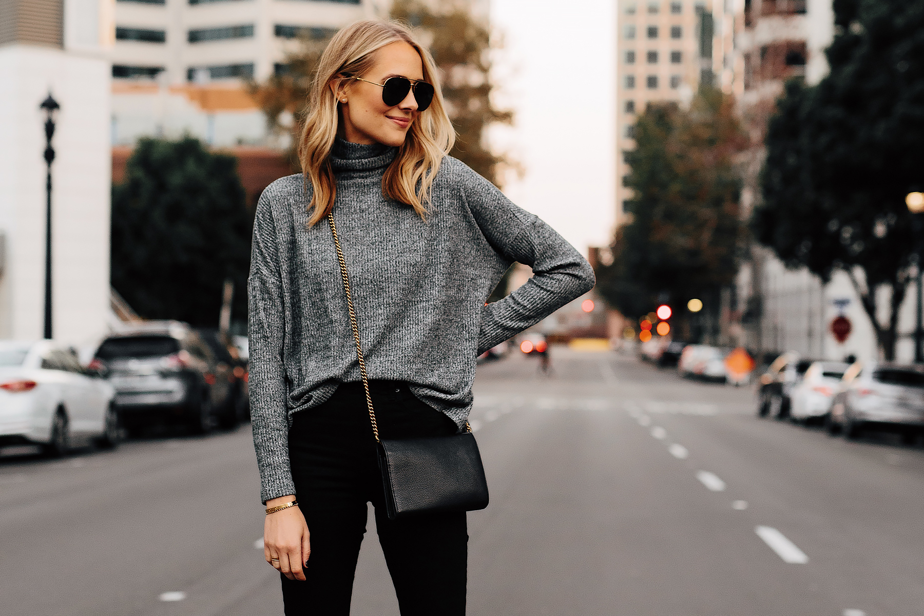 Blonde Woman Wearing Heather Grey Turtleneck Black Skinny Jeans Outfit Fashion Jackson San Diego Fashion Blogger Street Style