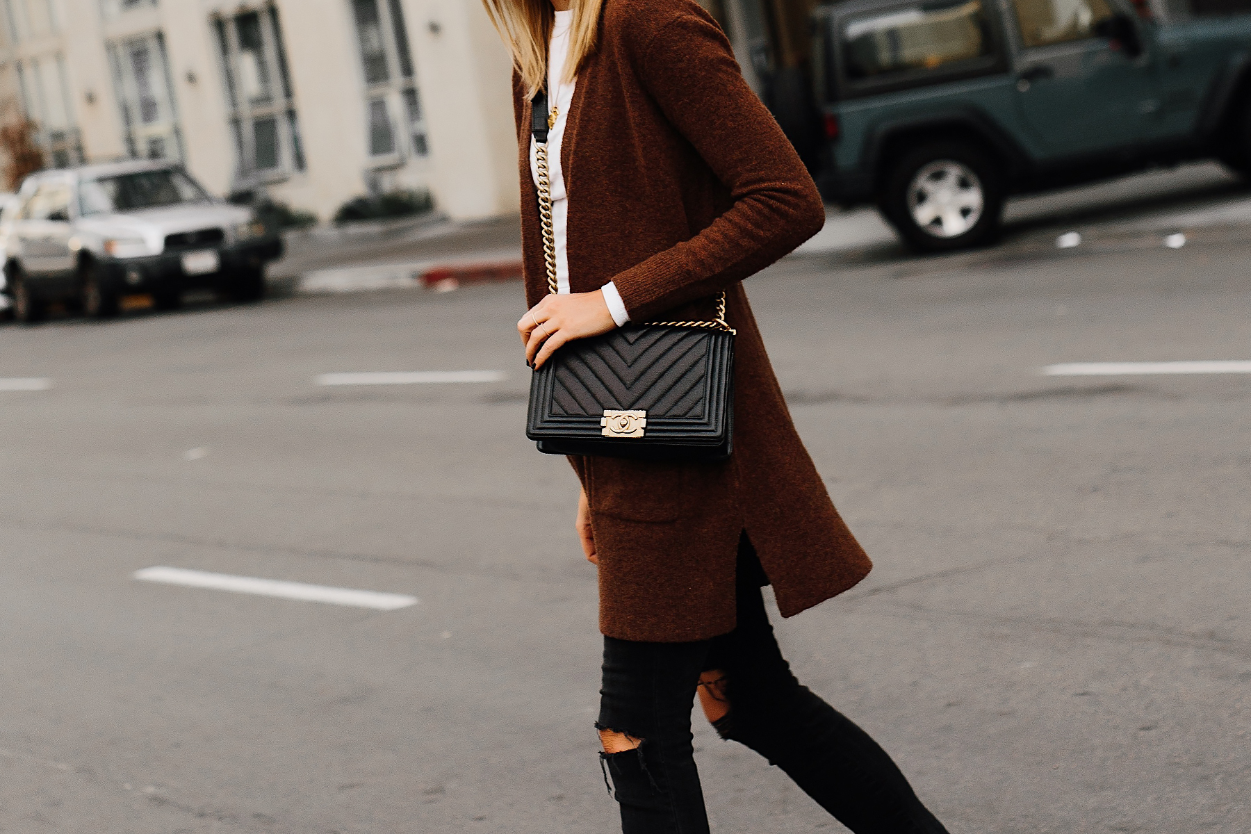 Woman Wearing Madewell Brown Long Cardigan White Top Black Ripped Skinny Jeans Chanel Black Boy Bag Fashion Jackson San Diego Fashion Blogger Street Style