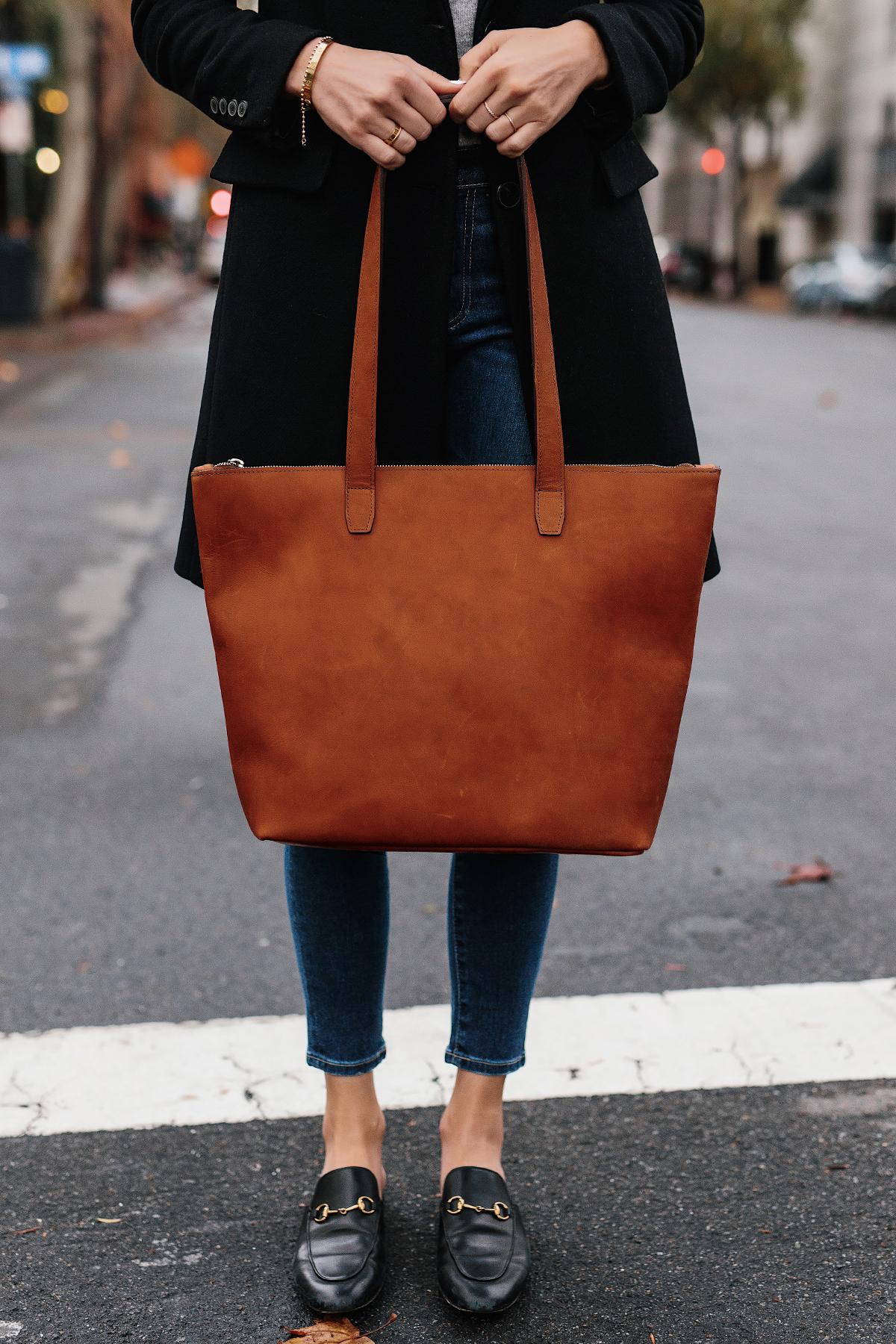 Woman Holding SLATE Cognac Tote Fashion Jackson San Diego Fashion Blogger Street Style