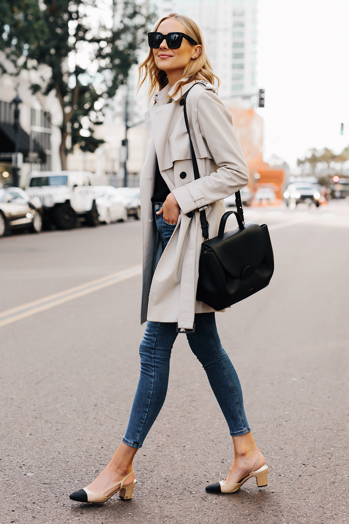 Blonde Woman Wearing Trench Coat Denim Skinny Jeans Chanel Slingbacks Polene Number One Handbag Monochrome Black Fashion Jackson San Diego Fashion Blogger Street Style