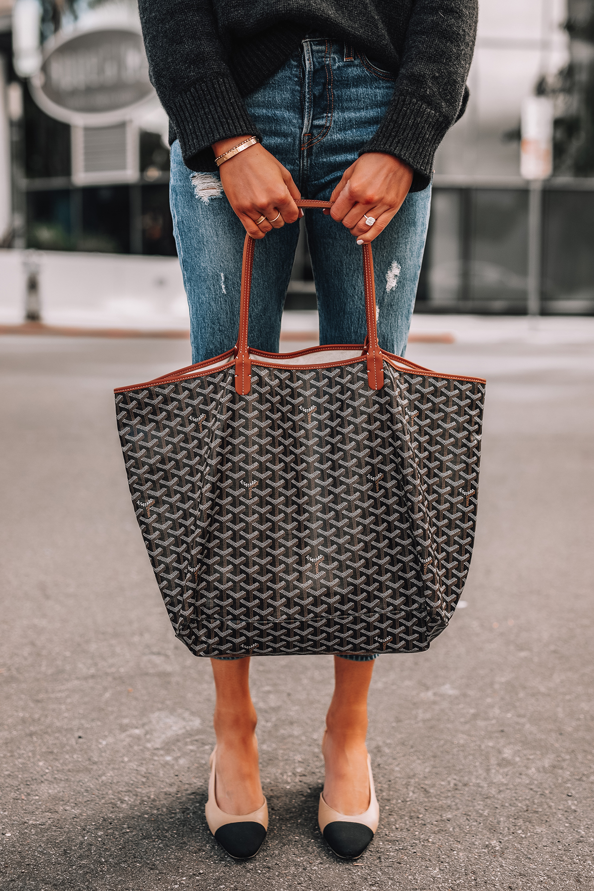 Fashion Jackson Goyard St Louis GM Tote Ripped Jeans Chanel Slingbacks