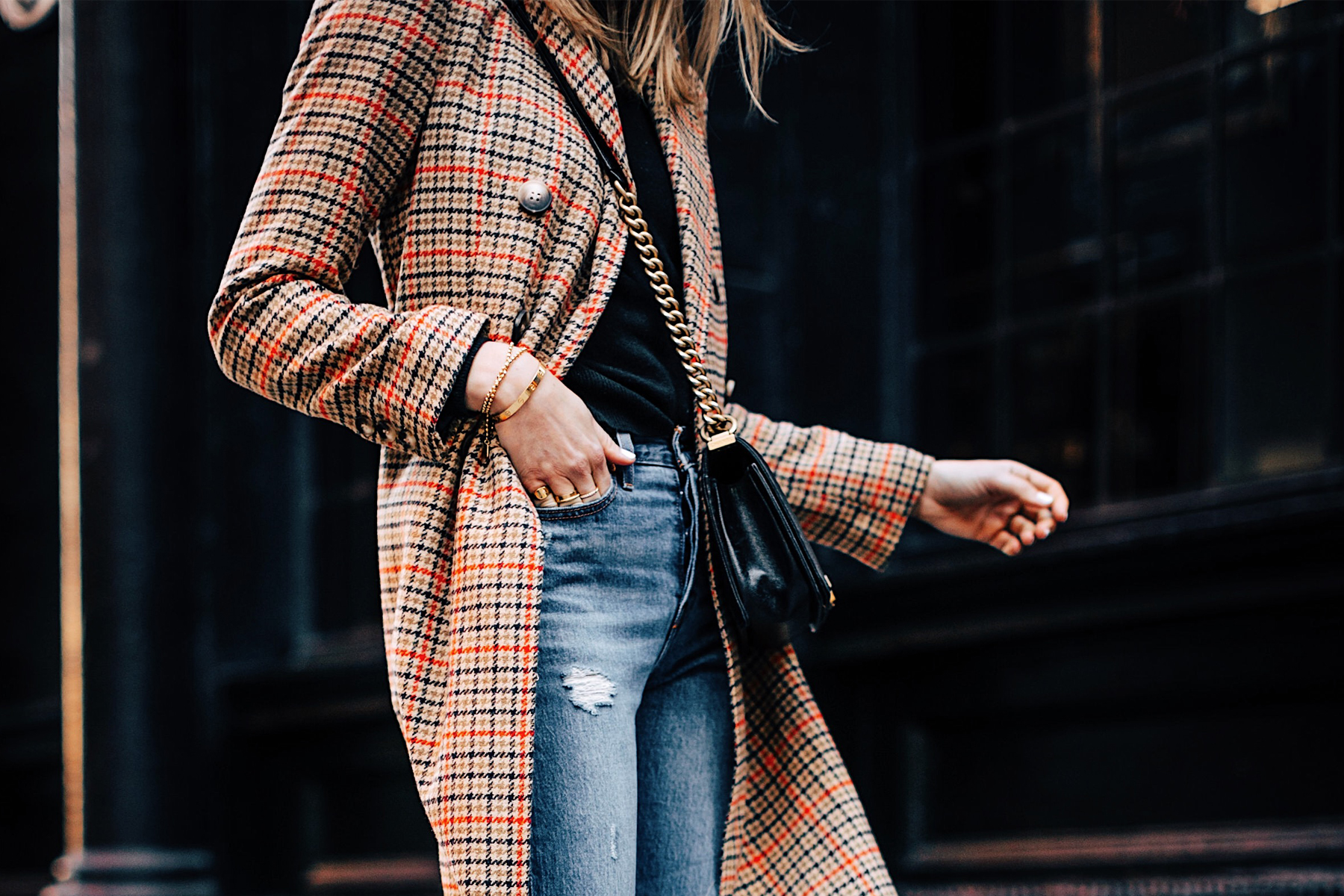 Blonde Woman Wearing Topshop Plaid Long Coat Black Sweater Levis Ripped Jeans Fashion Jackson Fashion Blogger NYFW Street Style