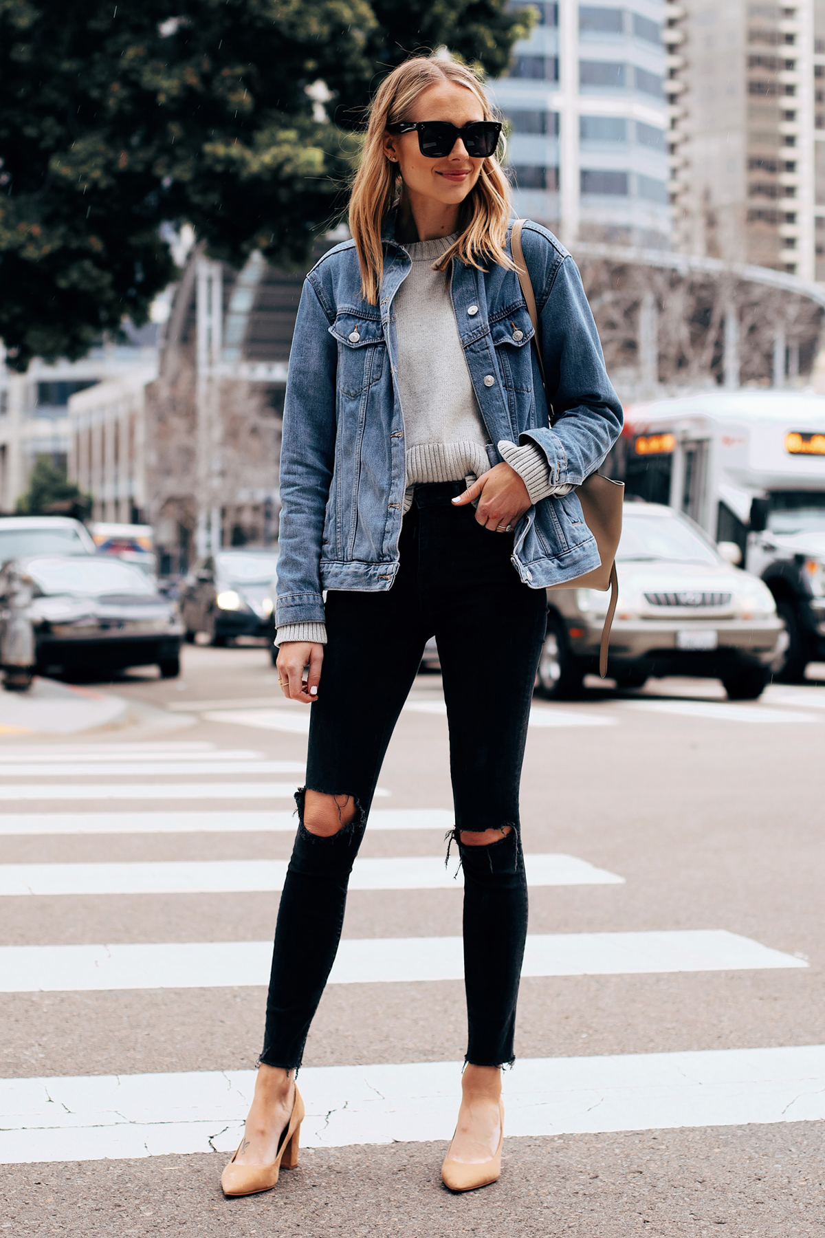 Fashion Jackson Capsule Wardrobe Wearing Topshop Oversized Denim Jacket Everlane Grey Sweater Madewell Black Ripped Skinny Jeans Tan Pumps