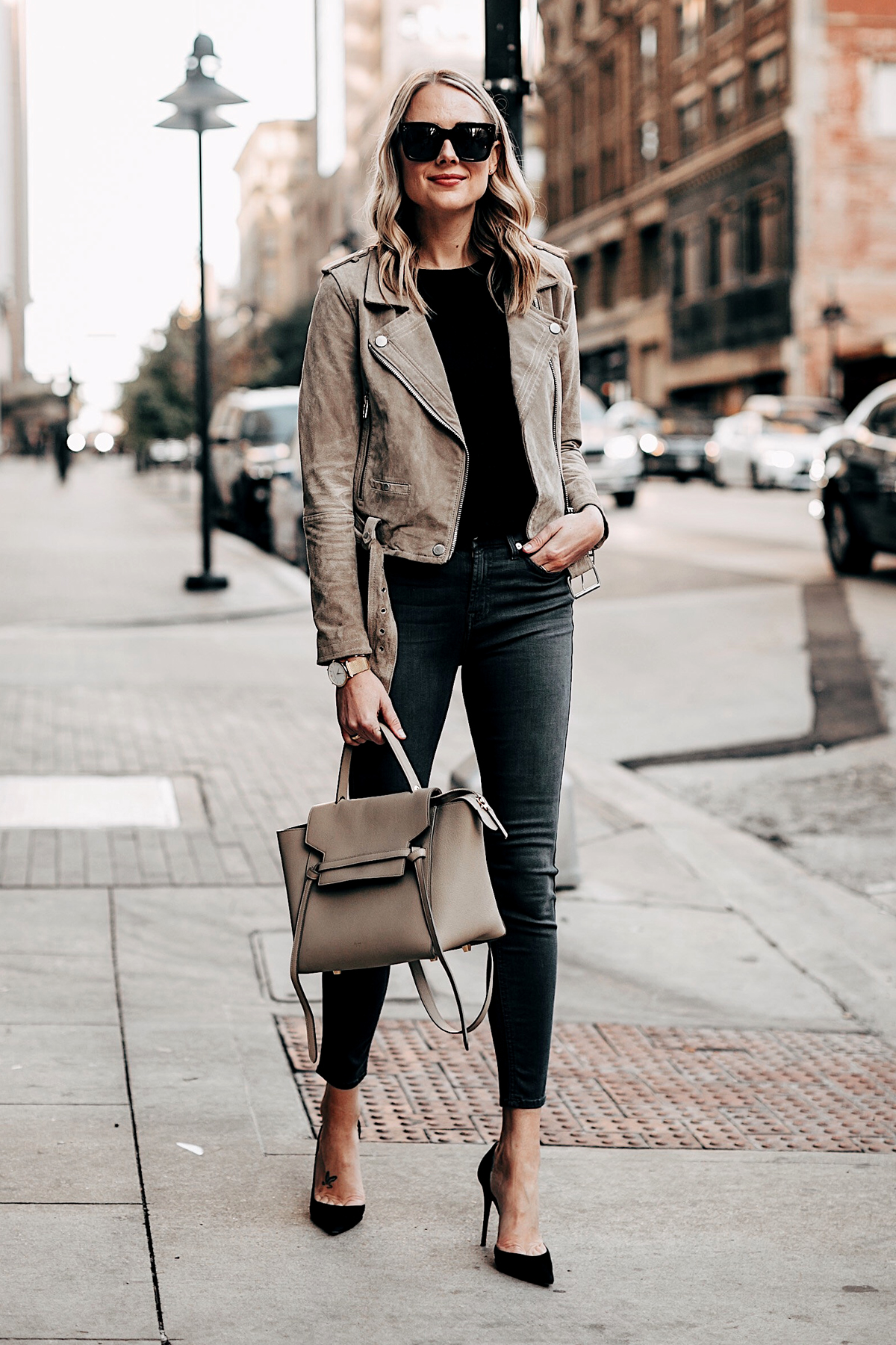 Fashion Jackson Weargin Blankny Tan Suede Moto Jacket Black Tshirt Grey Skinny Jeans Black Pumps