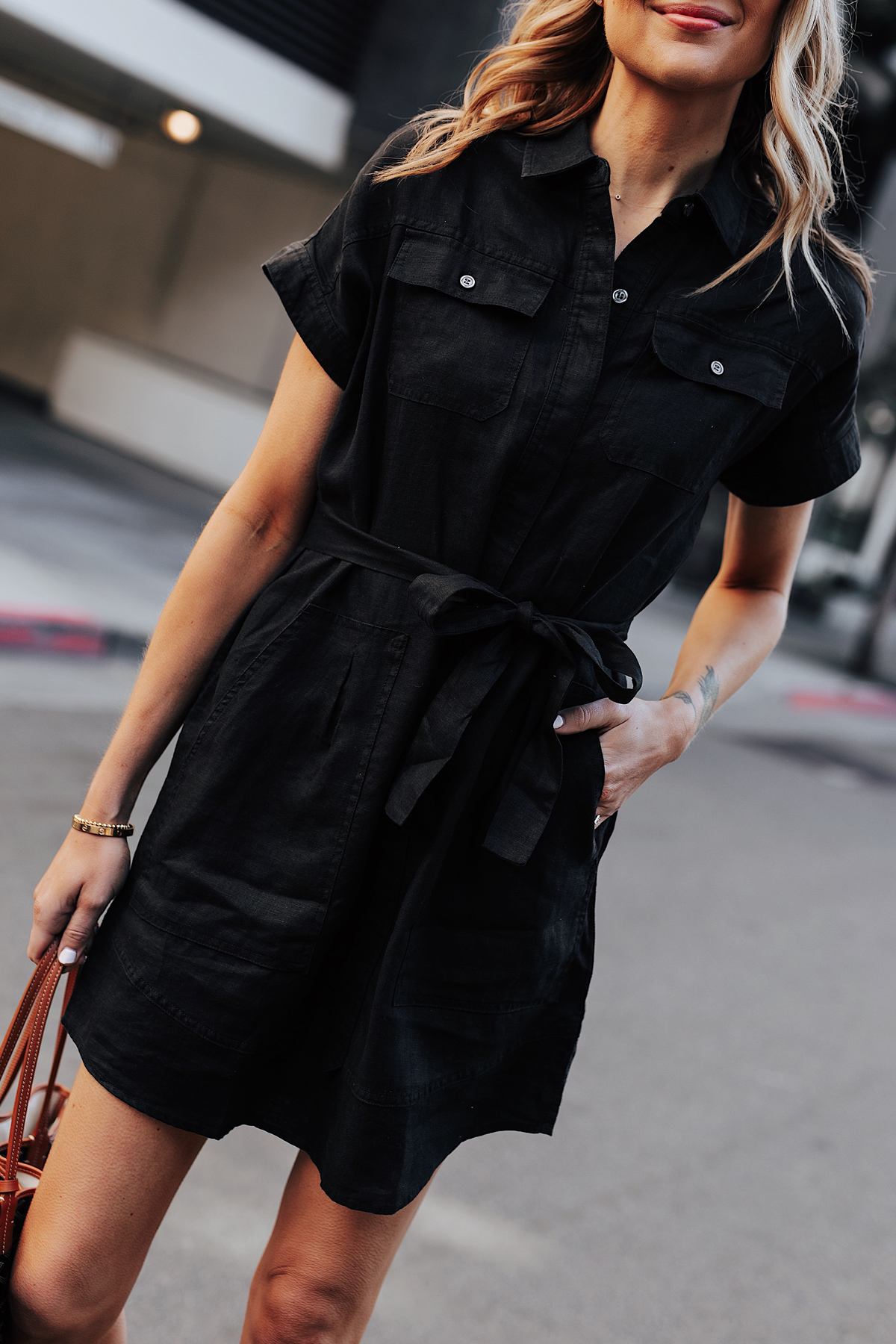 Blonde Woman Wearing Black Short Sleeve Shirt Dress Fashion Jackson San Diego Fashion Blogger Street Style