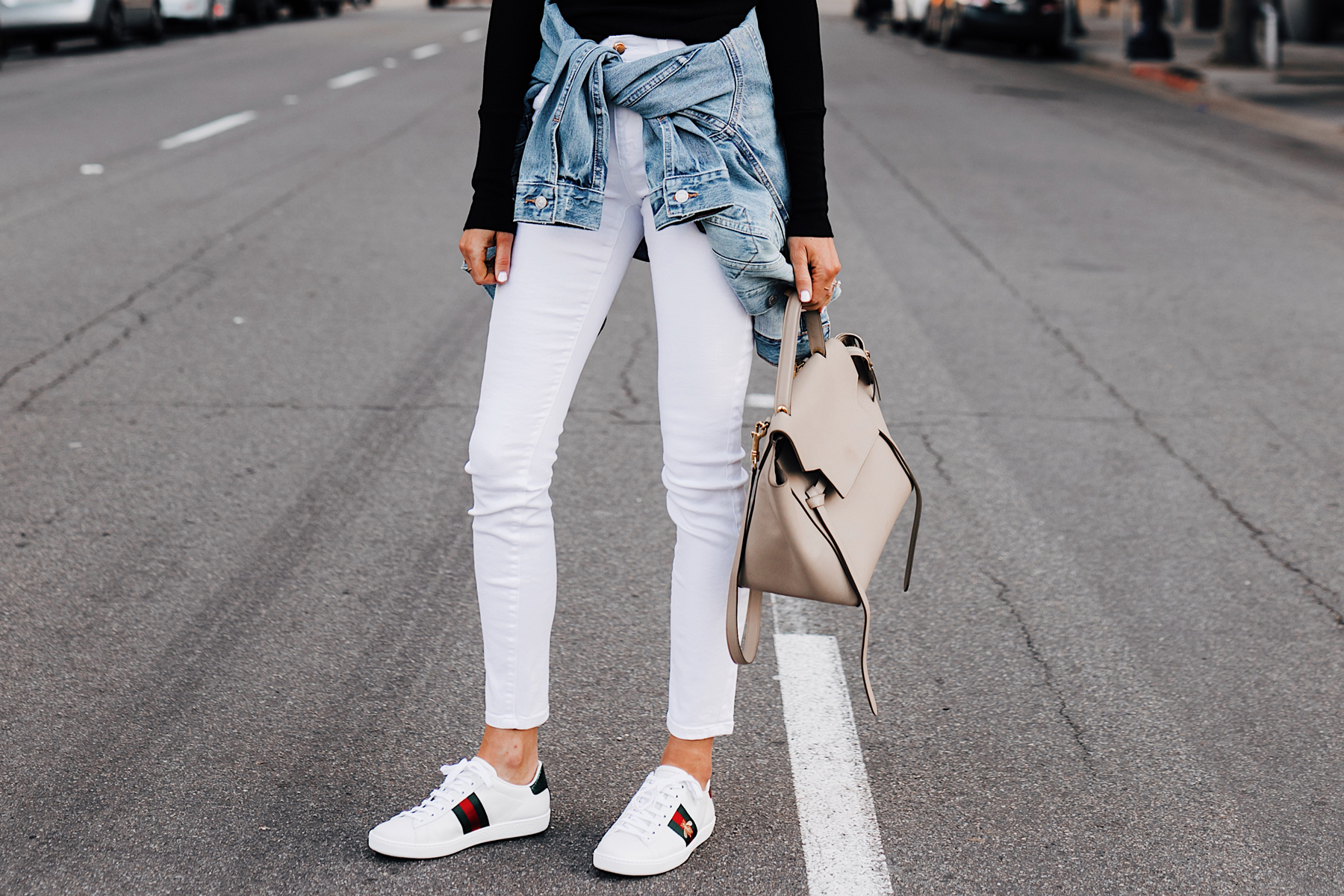 Woman Wearing Joes Jeans White Skinny Jeans Levis Denim Jacket Gucci Ace Embroidered Sneakers Fashion Jackson San Diego Fashion Blogger Street Style