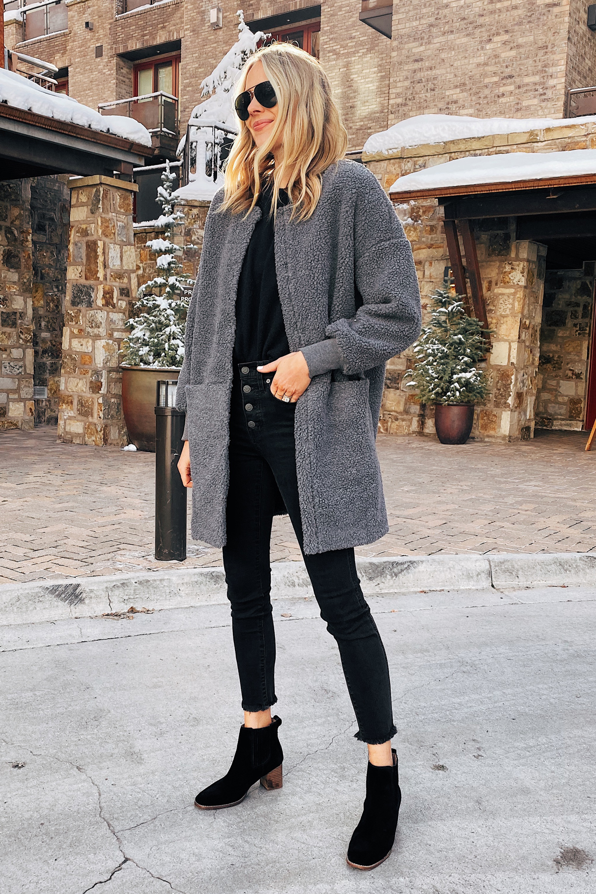 Fashion Jackson Wearing Madewell Grey Fleece Jacket Black Skinny Jeans Black Booties Winter Outfit Telluride Ski Trip