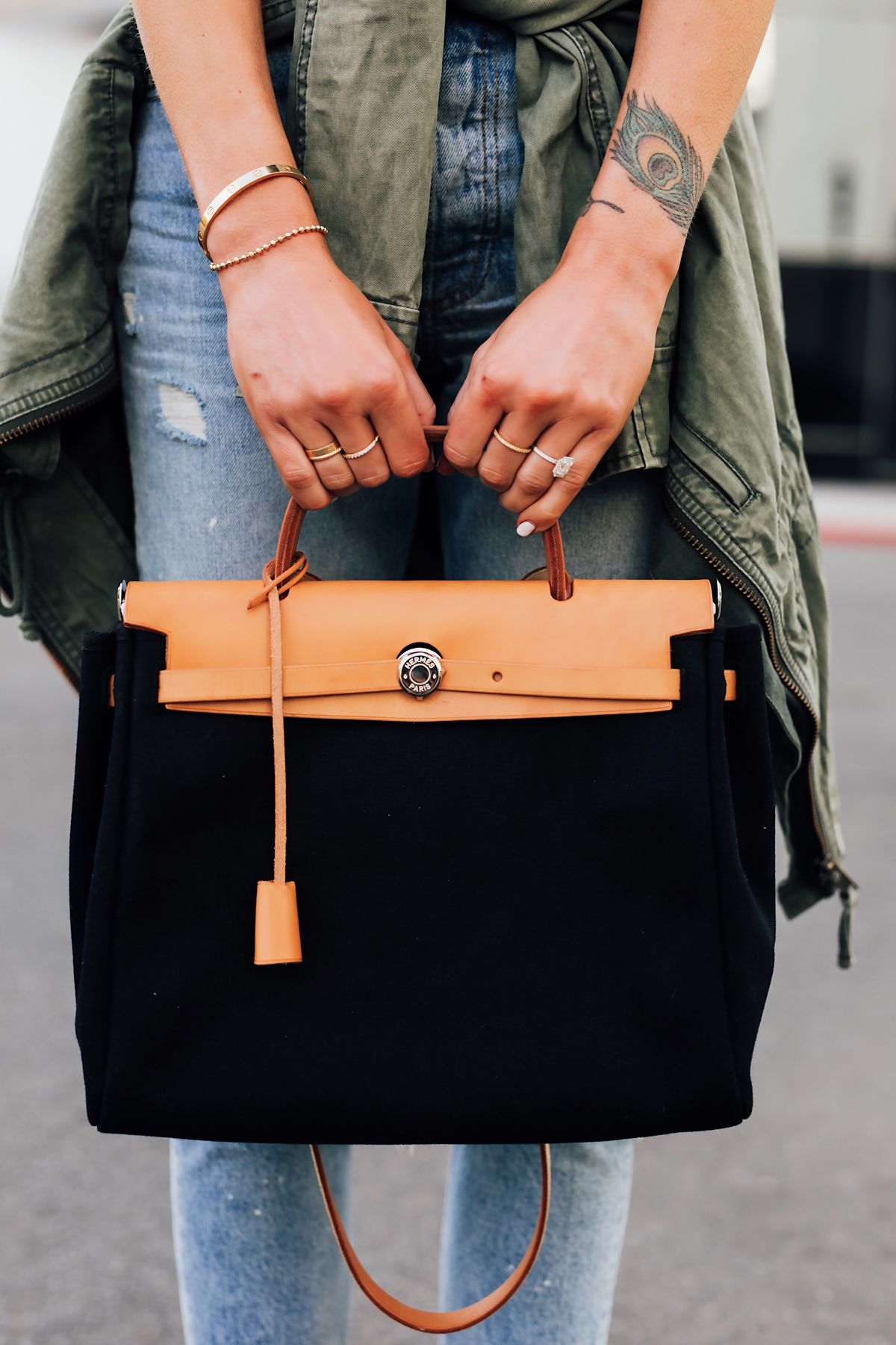 Woman Wearing eBay Authenticate Handbags Vintage Hermes Herbag Black Tan Handbag Fashion Jackson San Diego Fashion Blogger Street Style