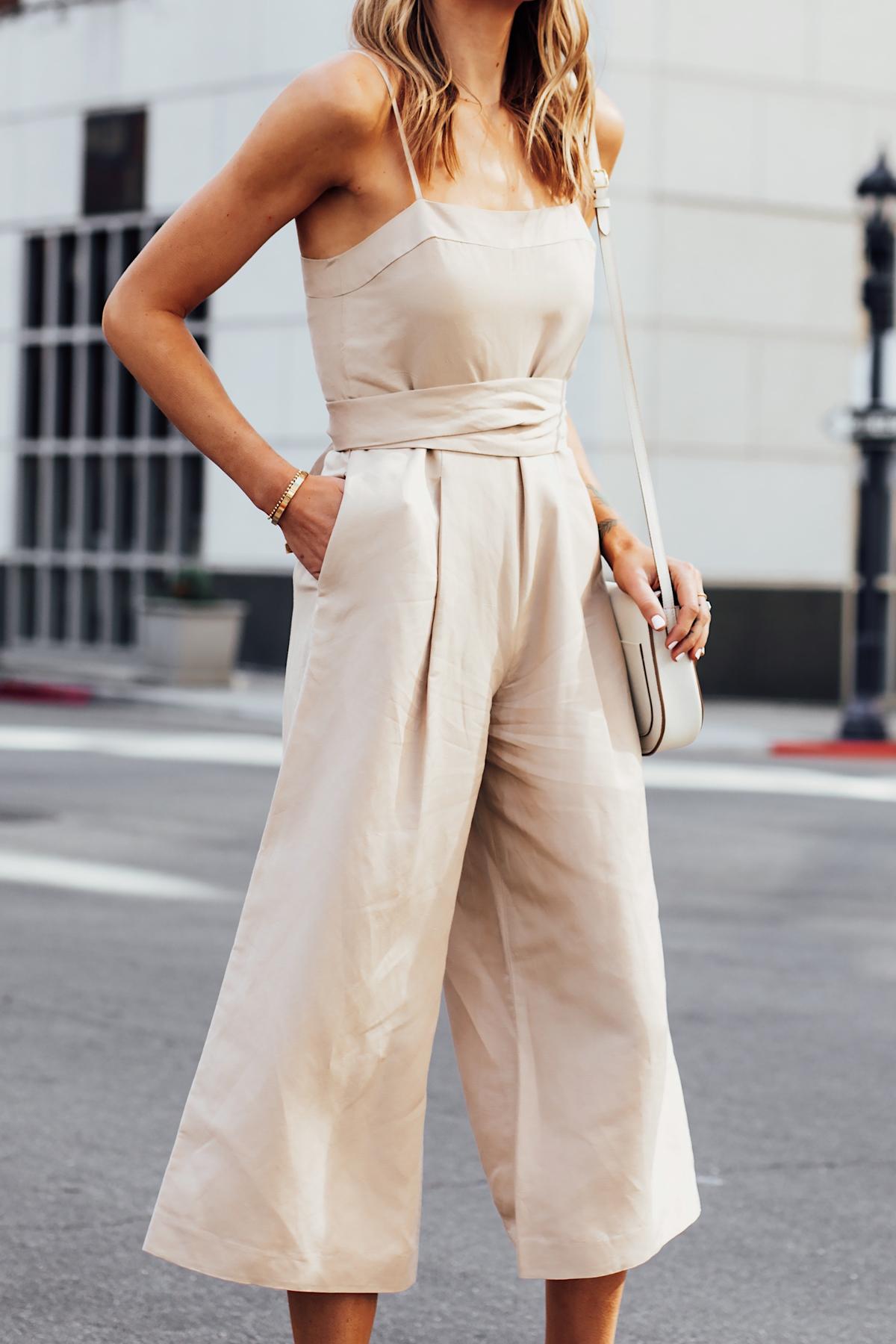 Blonde Woman Wearing Banana Republic Beige Linen Jumpsuit Fashion Jackson San Diego Fashion Blogger Street Style