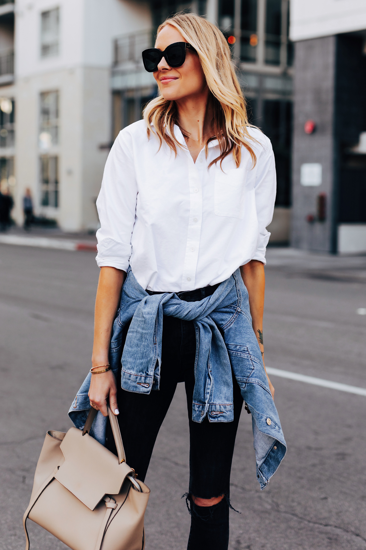 4dc42403265 What Shirts To Wear With Ripped Jeans | Top Mode Depot