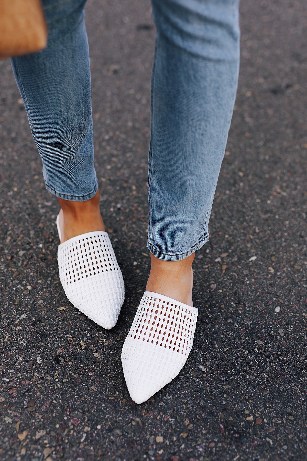 Woman Wearing Denim Skinny Jeans White Woven Mules Fashion Jackson San Diego Fashion Blogger Street Style