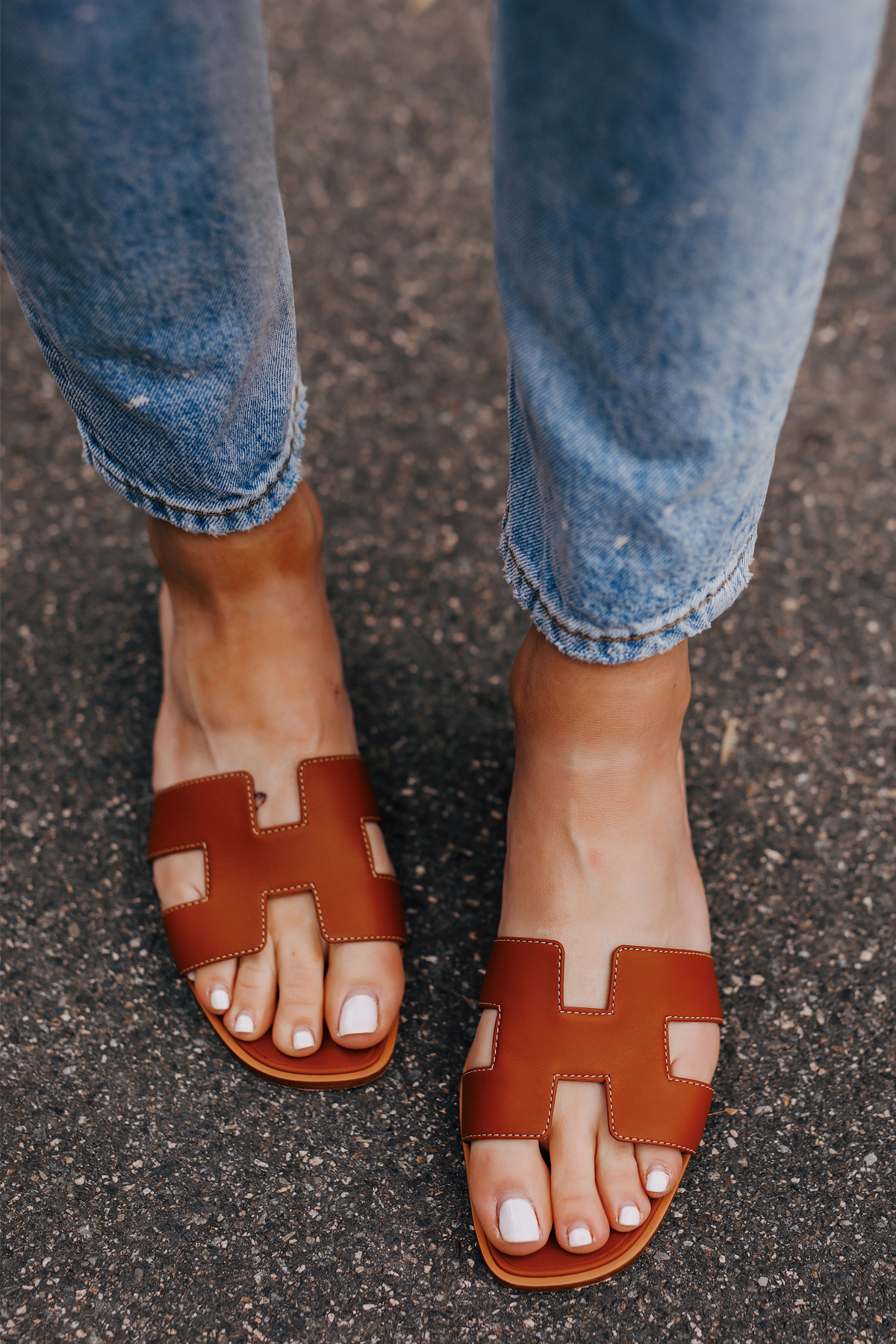 Woman Wearing Hermes Oran Gold Sandals Fashion Jackson San Diego Fashion Blogger Street Style
