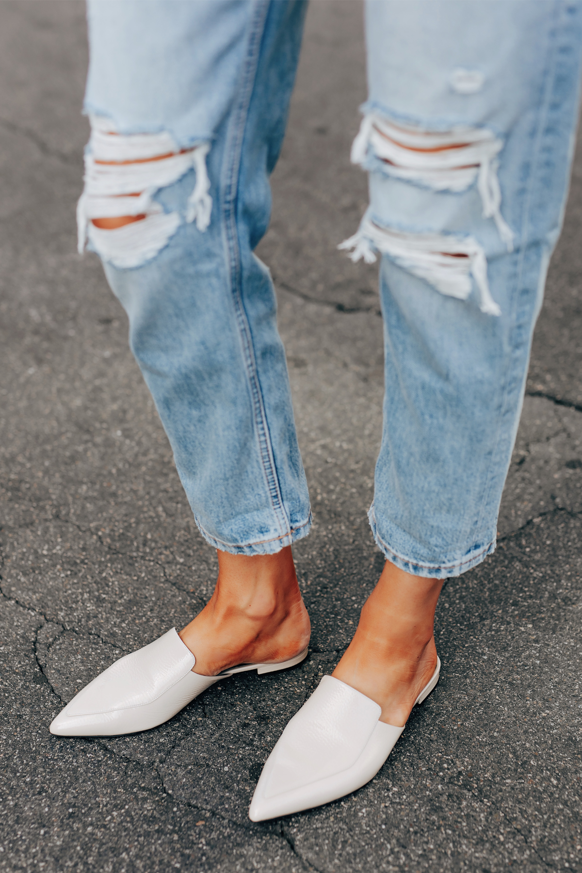 Fashion Jackson Wearing Everlane Ripped Boyfriend Jeans Everlane White Mules