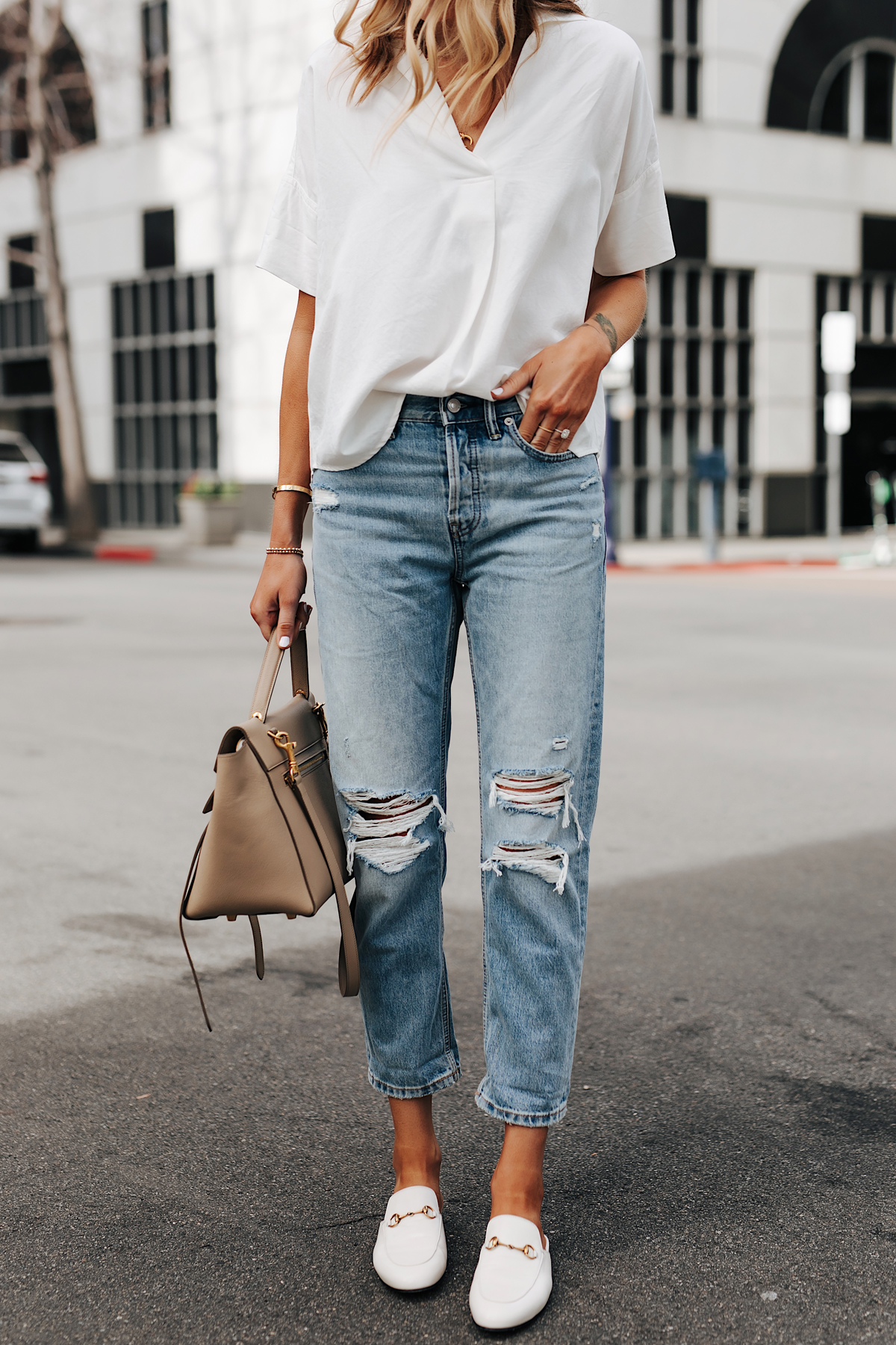 Fashion Jackson Wearing Short Sleeve White Shirt Everlane Ripped Boyfriend Jeans White Gucci Mules