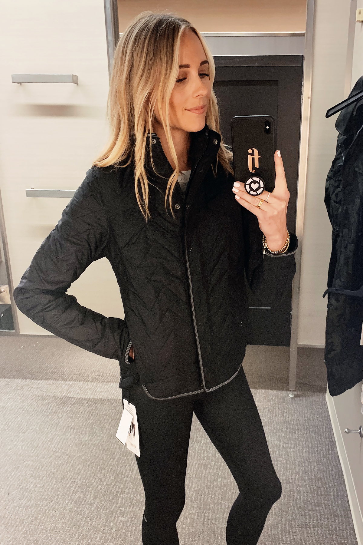 Fashion Jackson Wearing Nordstrom Anniversary Sale North Face Quilted Jacket Black Alo Leggings
