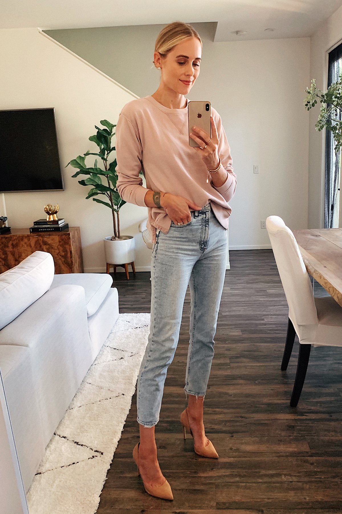 Fashion Jackson Wearing Abercrombie Blush Sweater High Rise Acid Wash Jeans Tan Heels