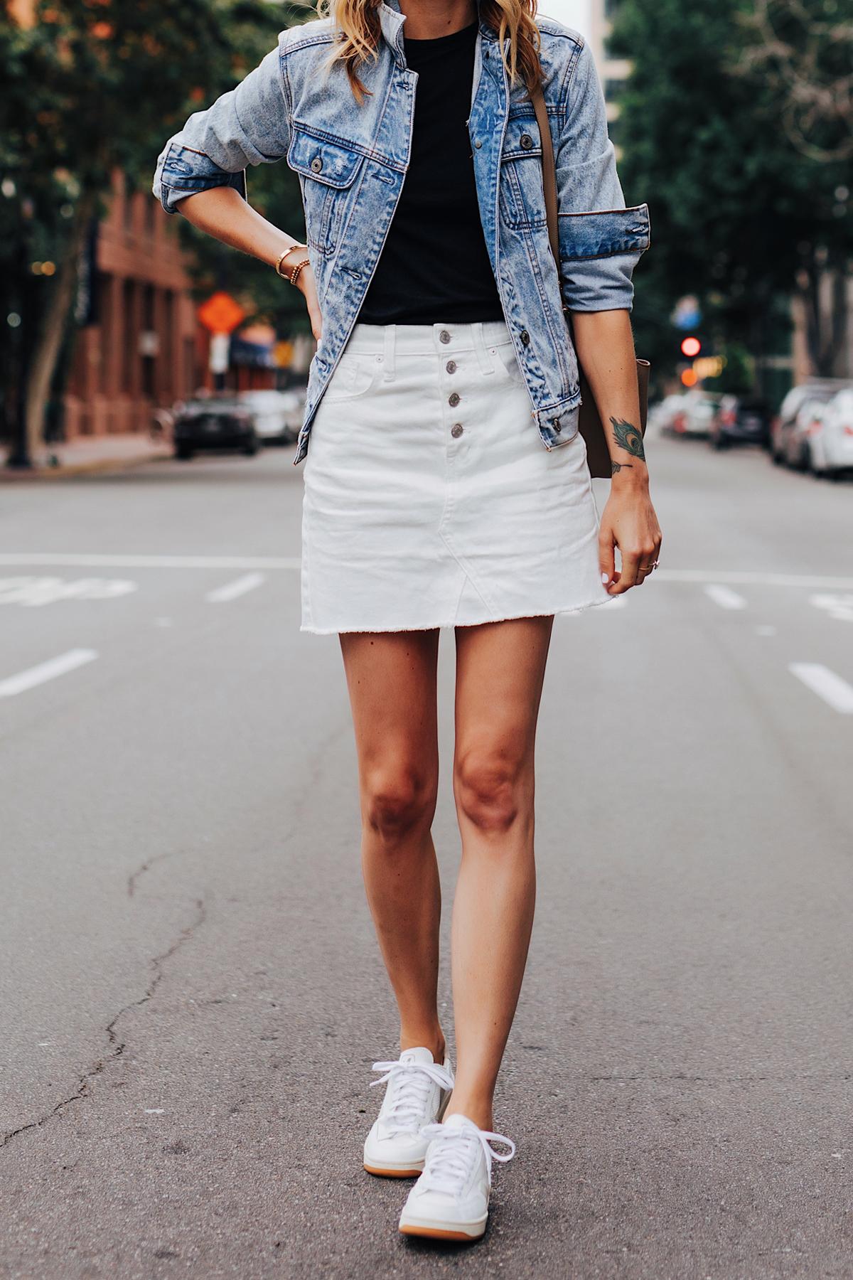 Fashion Jackson Wearing Oversized Denim Jacket Black T-Shirt White Denim Skirt Veja V-12 White Sneakers