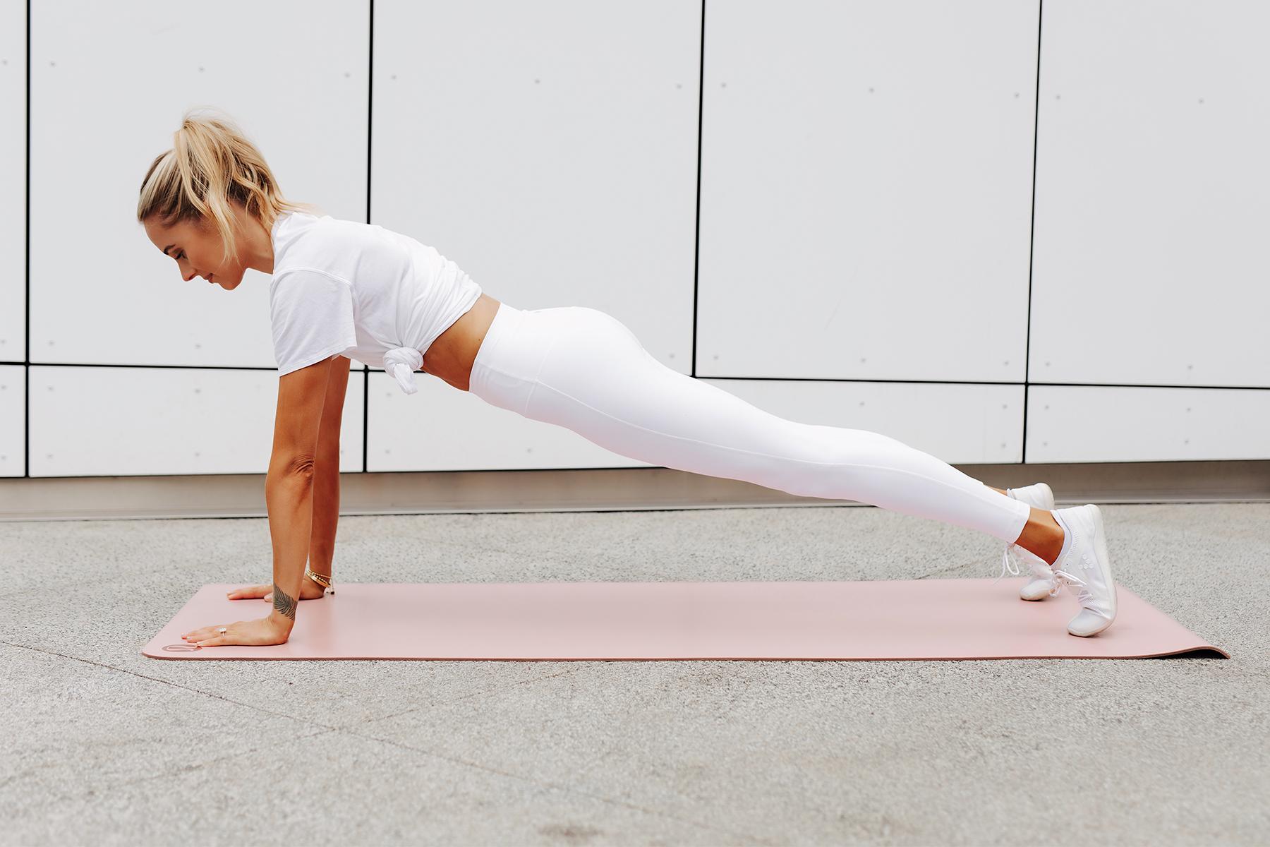 Fashion Jackson Wearing lululemon White Tshirt lululemon White Align Leggings White Sneakers Up Plank Position Simple Ab Exercise