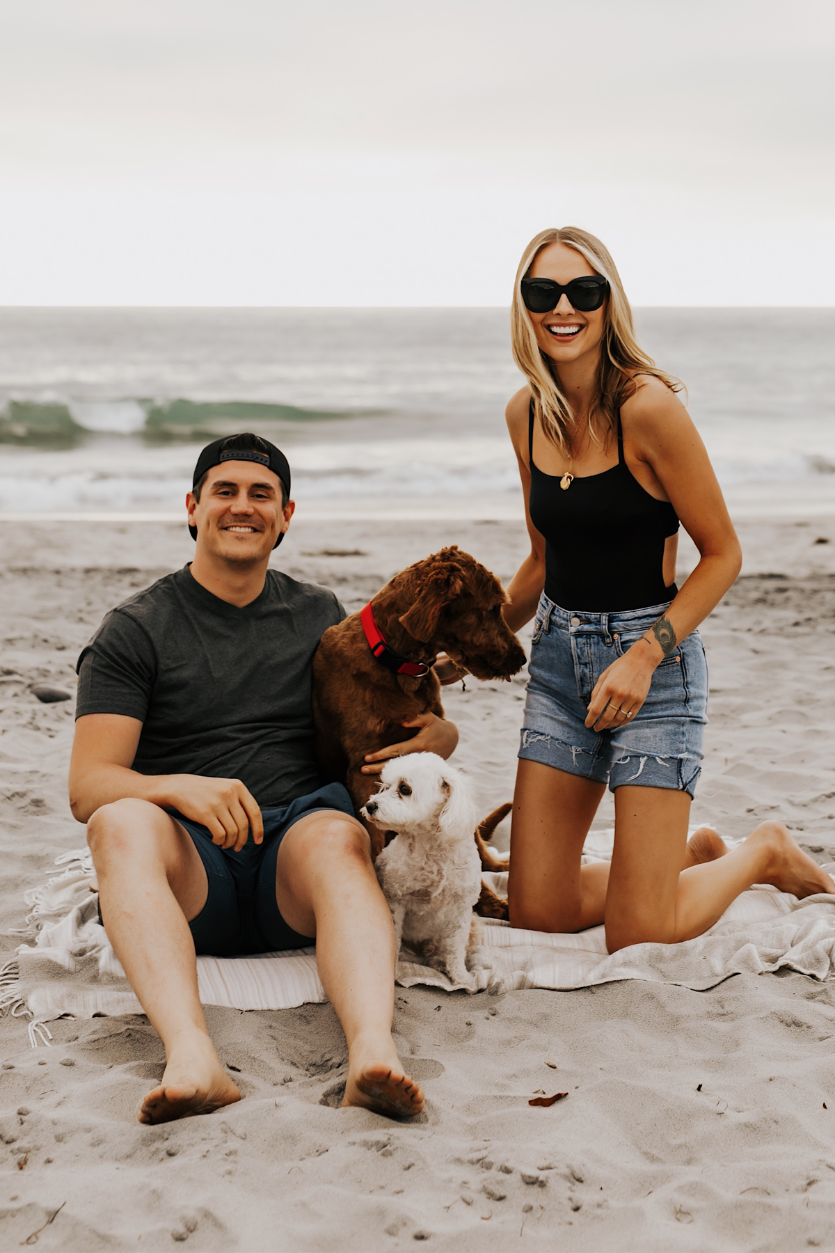Fashion Jackson at San Diego Dog Beach with fiance Will and Dogs Wearing Summer Beach Outfits 2