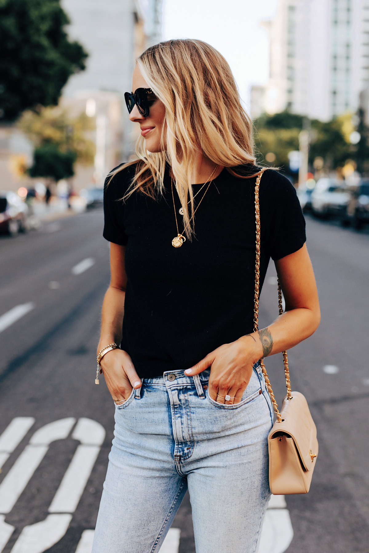 Fashion Jackson Wearing Everlane Short Sleeve Sweater High Rise Jeans Layered Gold Necklaces