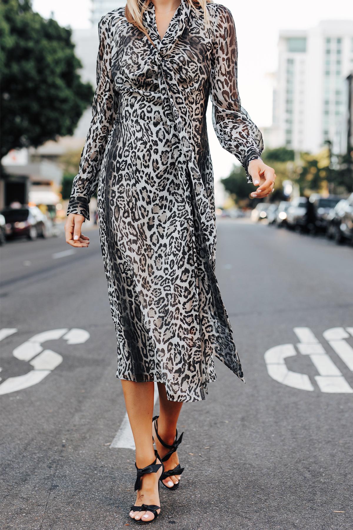 Fashion Jackson Wearing tommy hilfiger zendaya collection snow leopard dress Black Tie Heeled Sandals 2