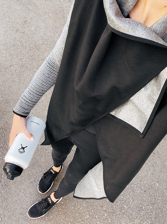 Fashion Jackson Wearing Activewear Black Coat Black Workout Leggings APL sneakers