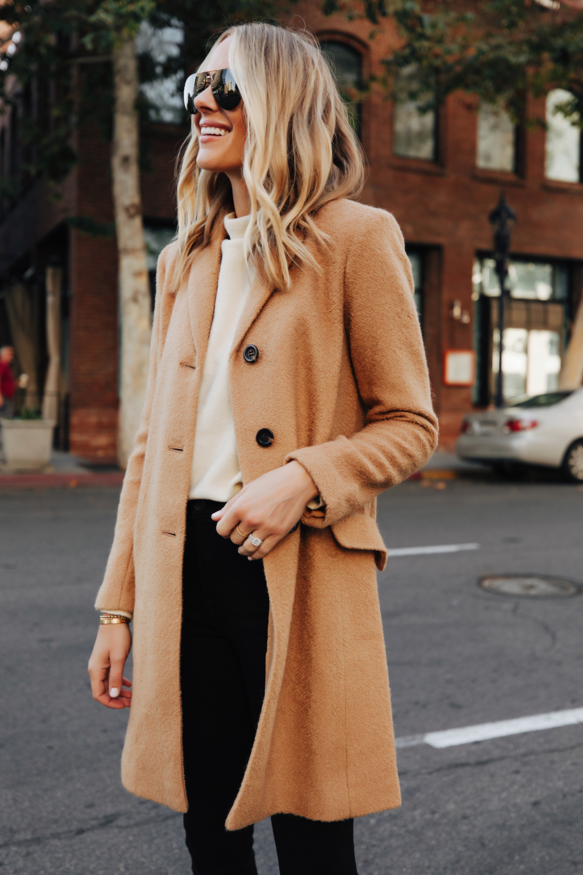 Processed with VSCO witFashion Jackson Wearing Ann Taylor Camel Coat White Sweater Black Jeans
