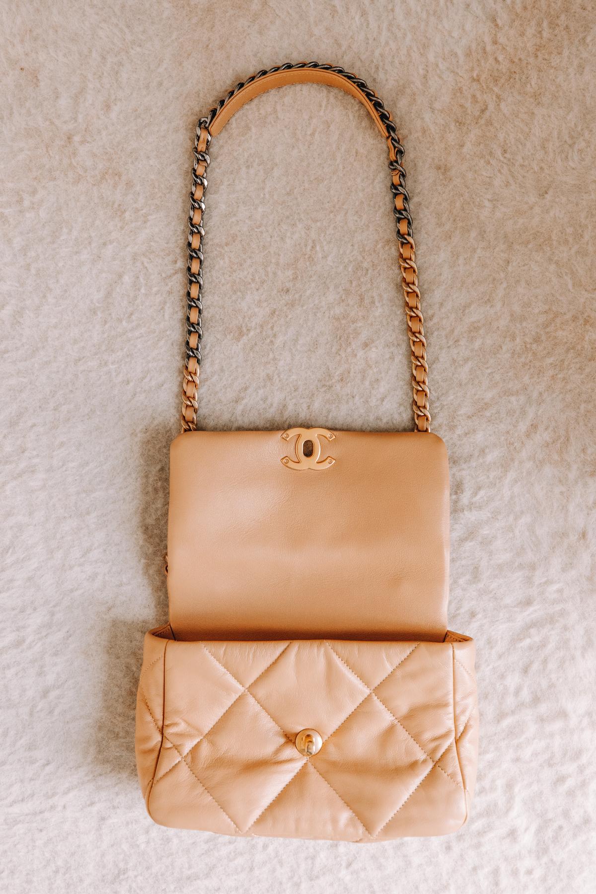 Fashion Jackson Chanel 19 Classic Small Dark Beige Handbag 1