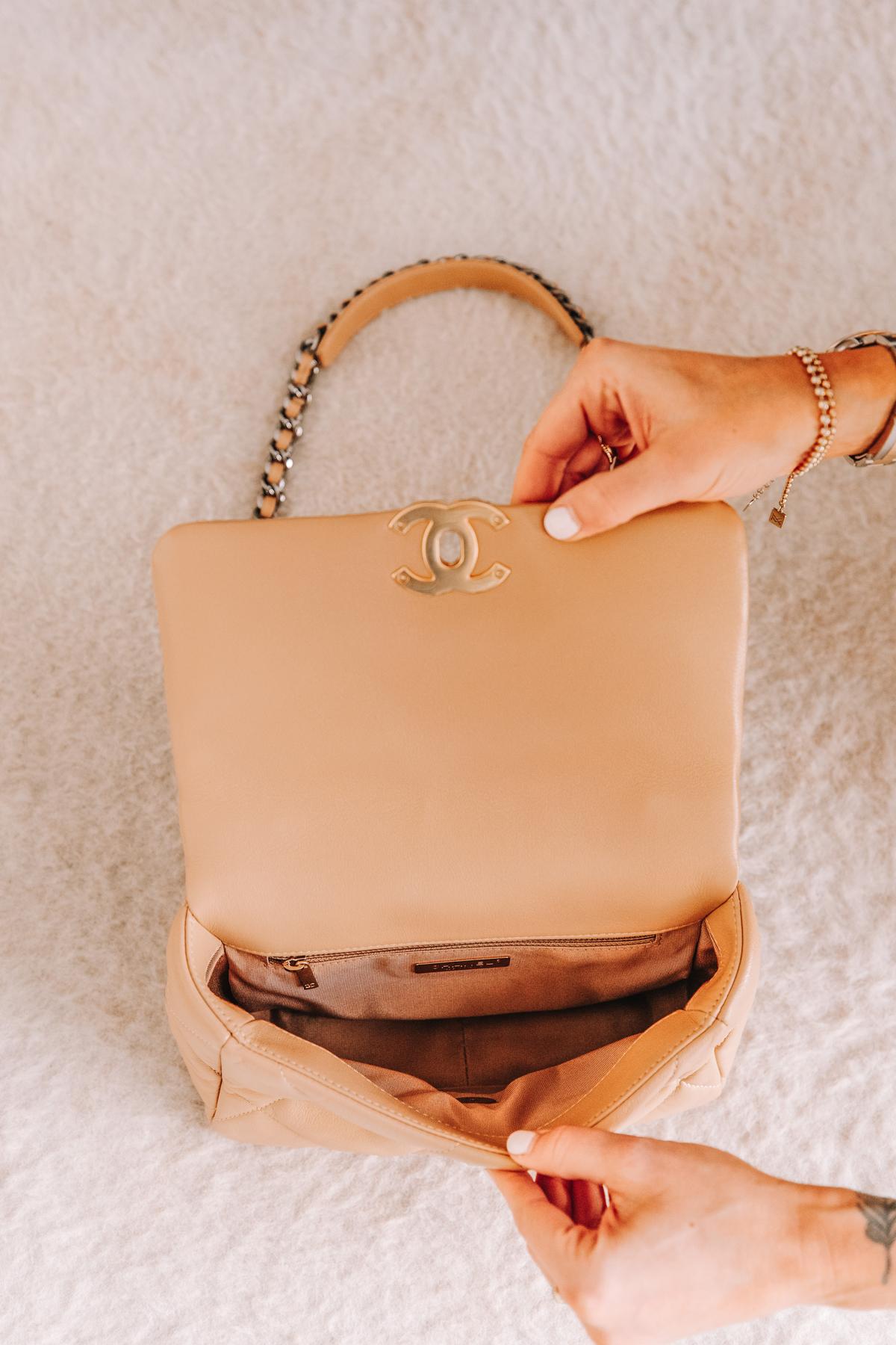 Fashion Jackson Chanel 19 Classic Small Dark Beige Handbag