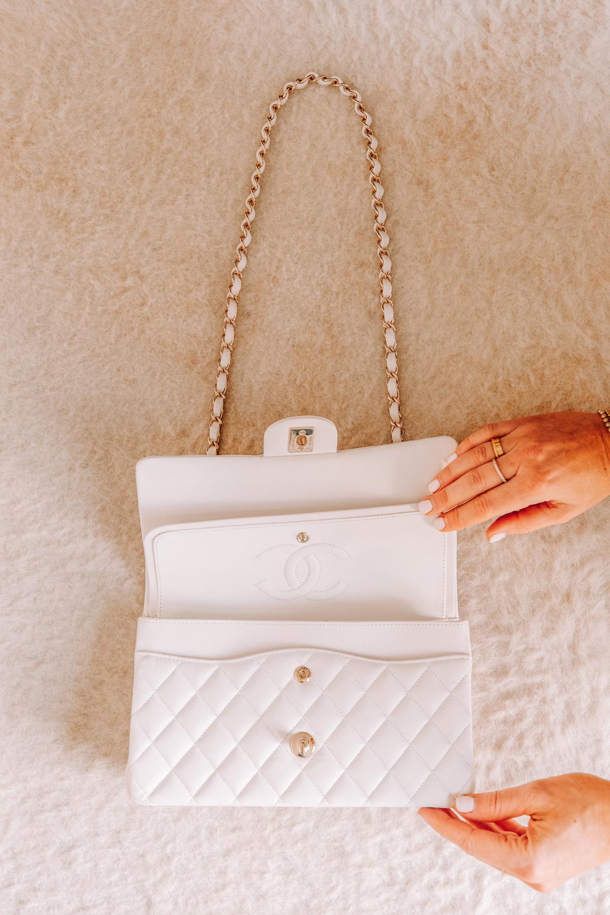 Fashion Jackson Chanel Classic Flap Medium White Handbag with Gold Hardware 1