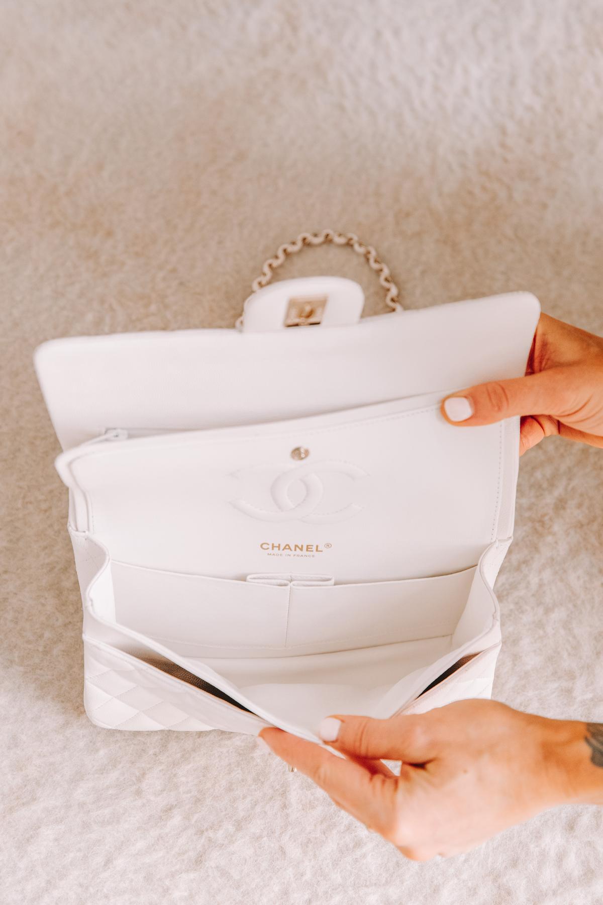 Fashion Jackson Chanel Classic Flap Medium White Handbag with Gold Hardware 2