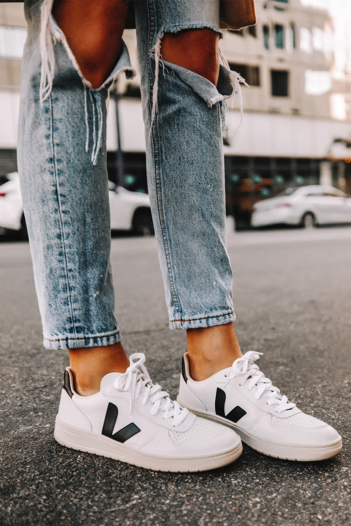 Fashion Jackson Wearing Boyish Ripped Jeans Veja V10 Sneakers