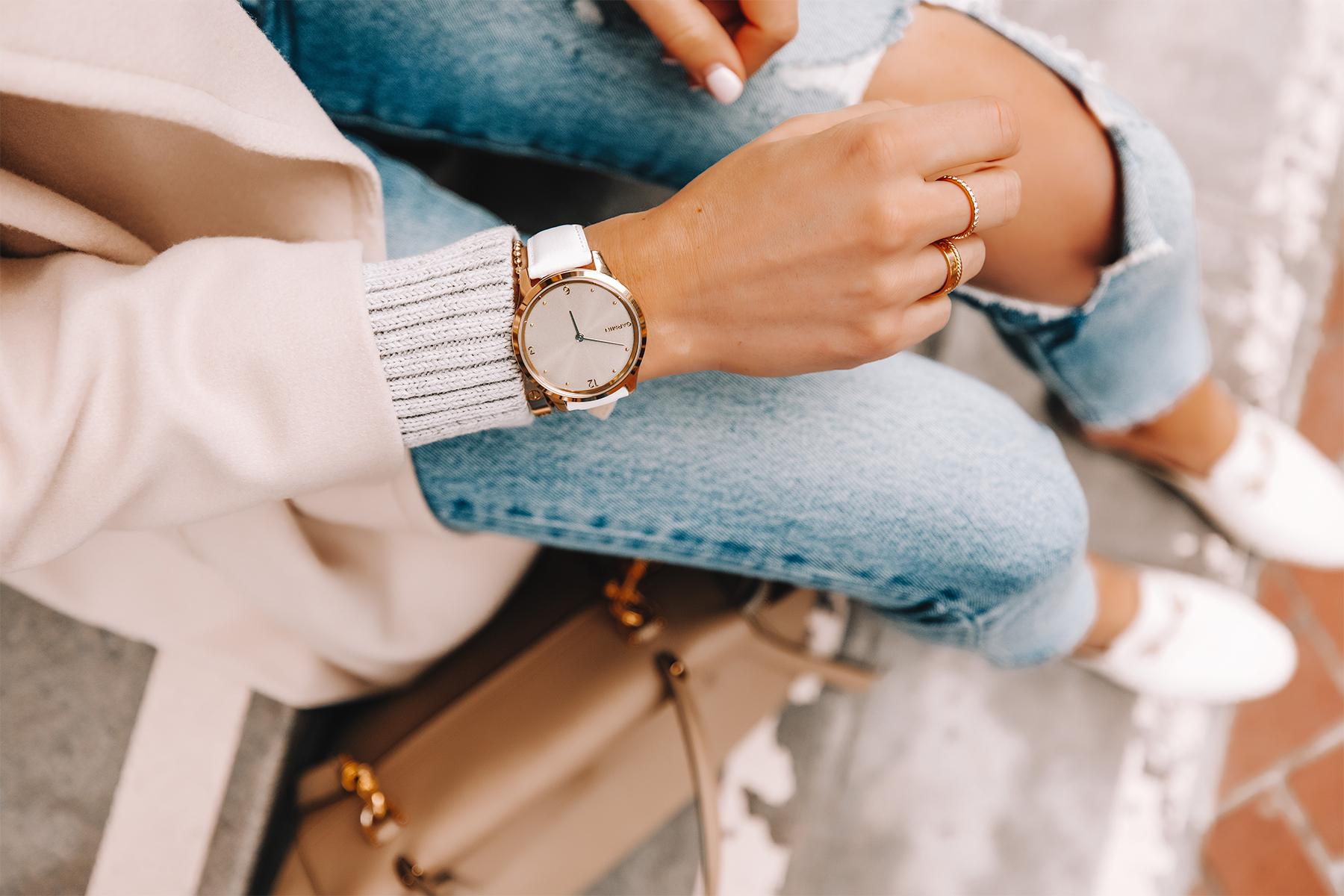 Fashion Jackson Wearing Garmin Vivomove Luxe Watch White 1