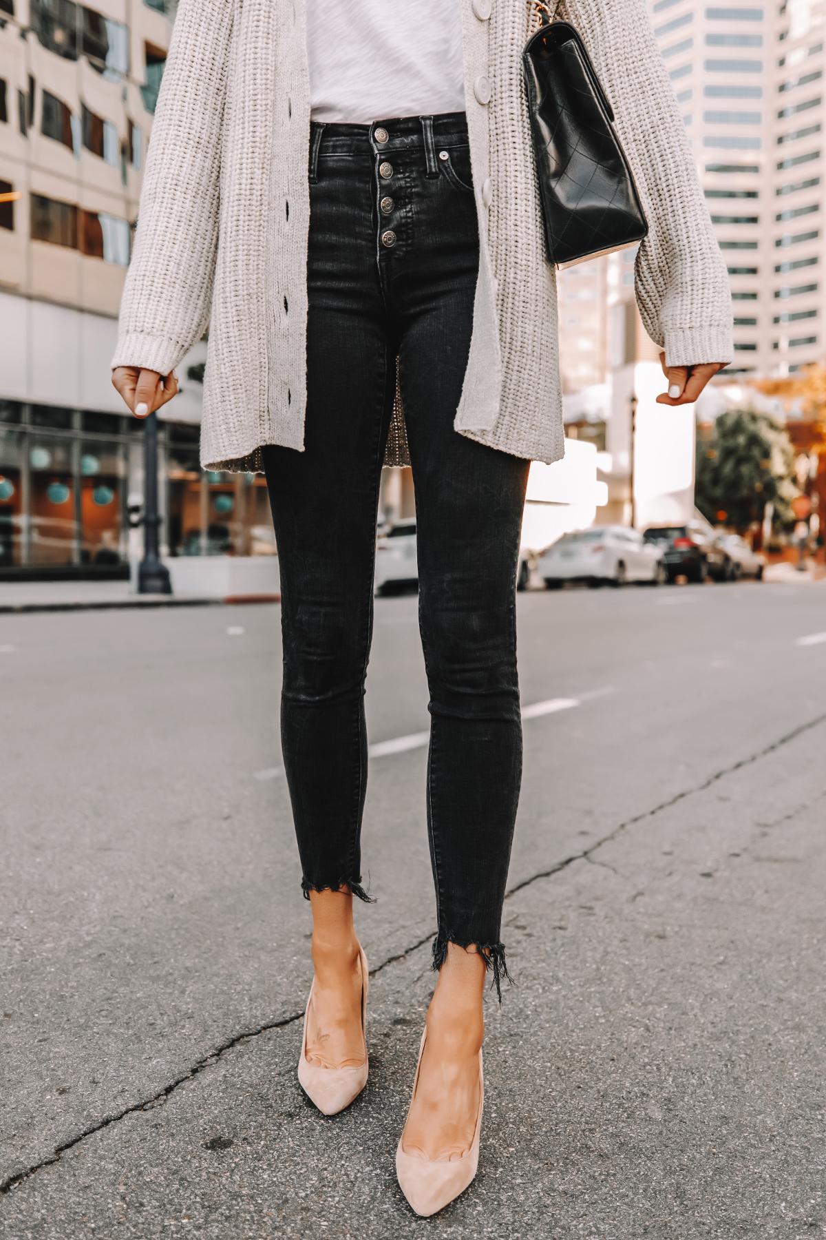 Fashion Jackson Wearing Oversized Cardigan White Tshirt Black Skinny Jeans Nude Pumps