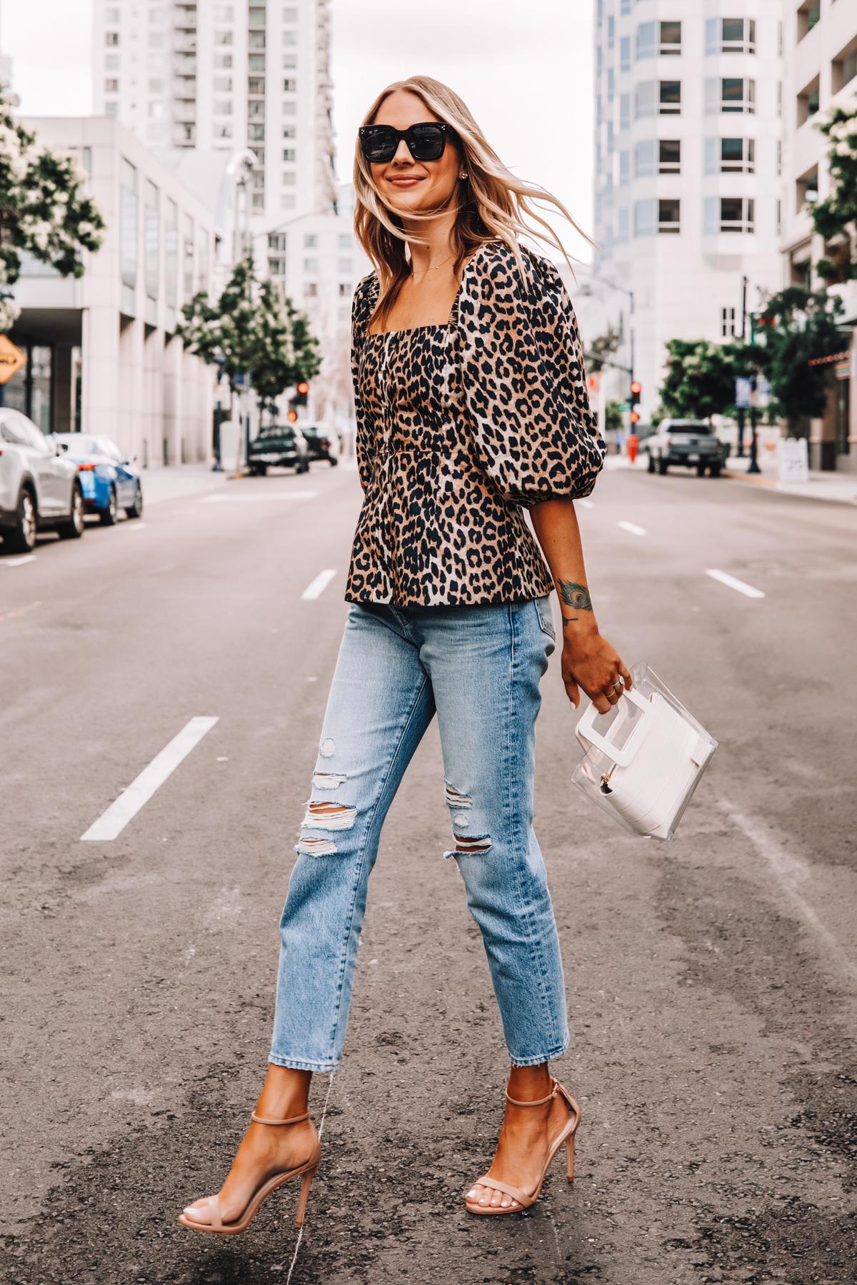 Fashion Jackson Wearing Ganni Leopard Top Frame Ripped Jeans Nude Heeled Sandals White Handbag Street Style