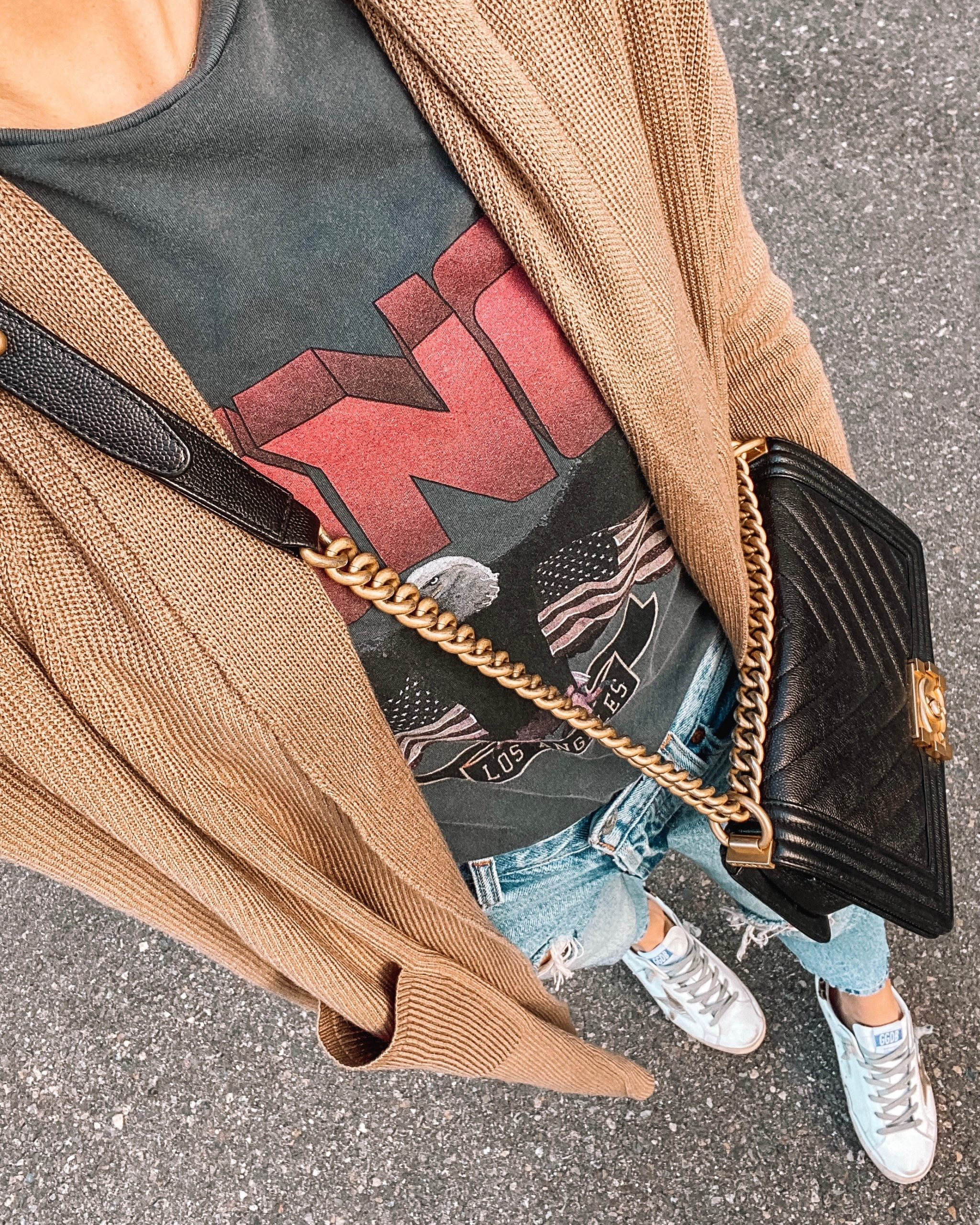 Camel Sweater Anine Bing Graphic Tshirt Levis Ripped Jeans Chanel Black Boy Bag Golden Goose Sneakers