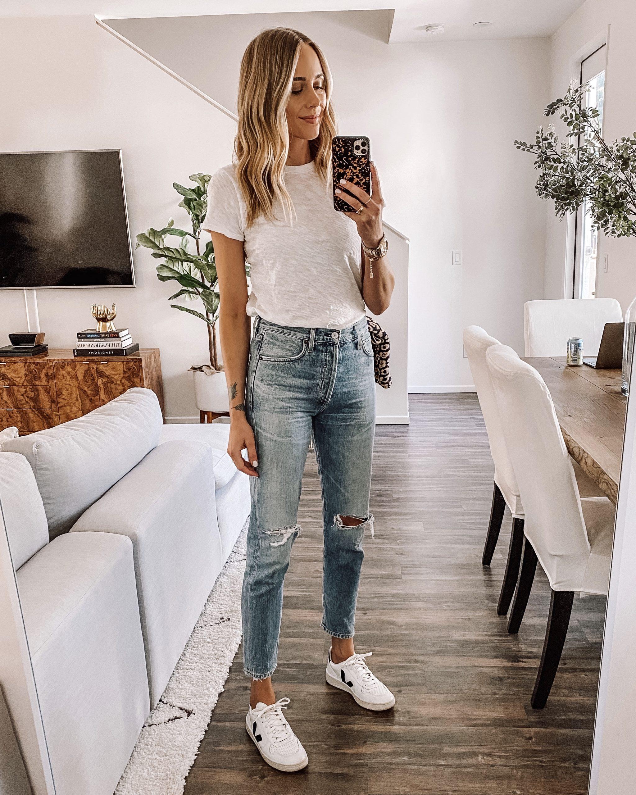 Fashion Jackson Wearing White Tshirt Ripped Jeans
