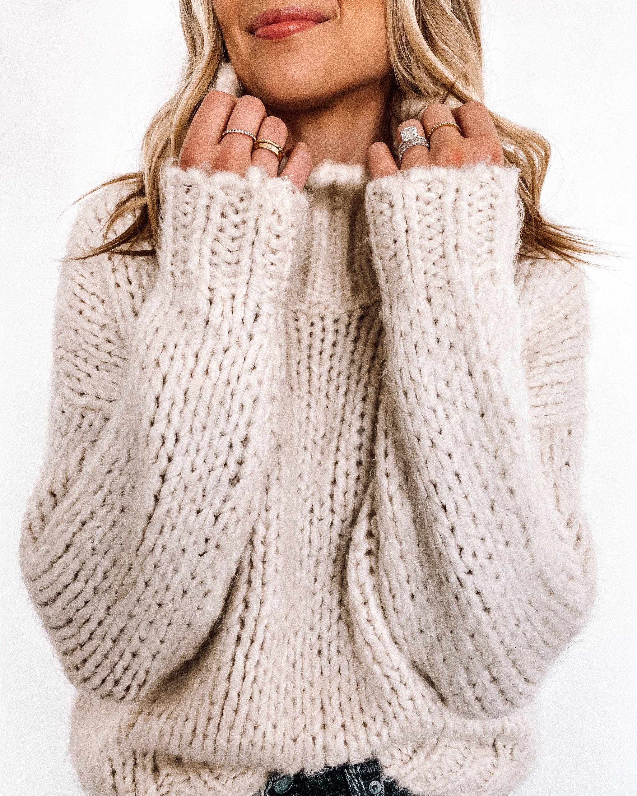 Fashion Jackson Wearing Topshop Chunky Ivory Sweater Dainty Golde Jewelry Wedding Rings