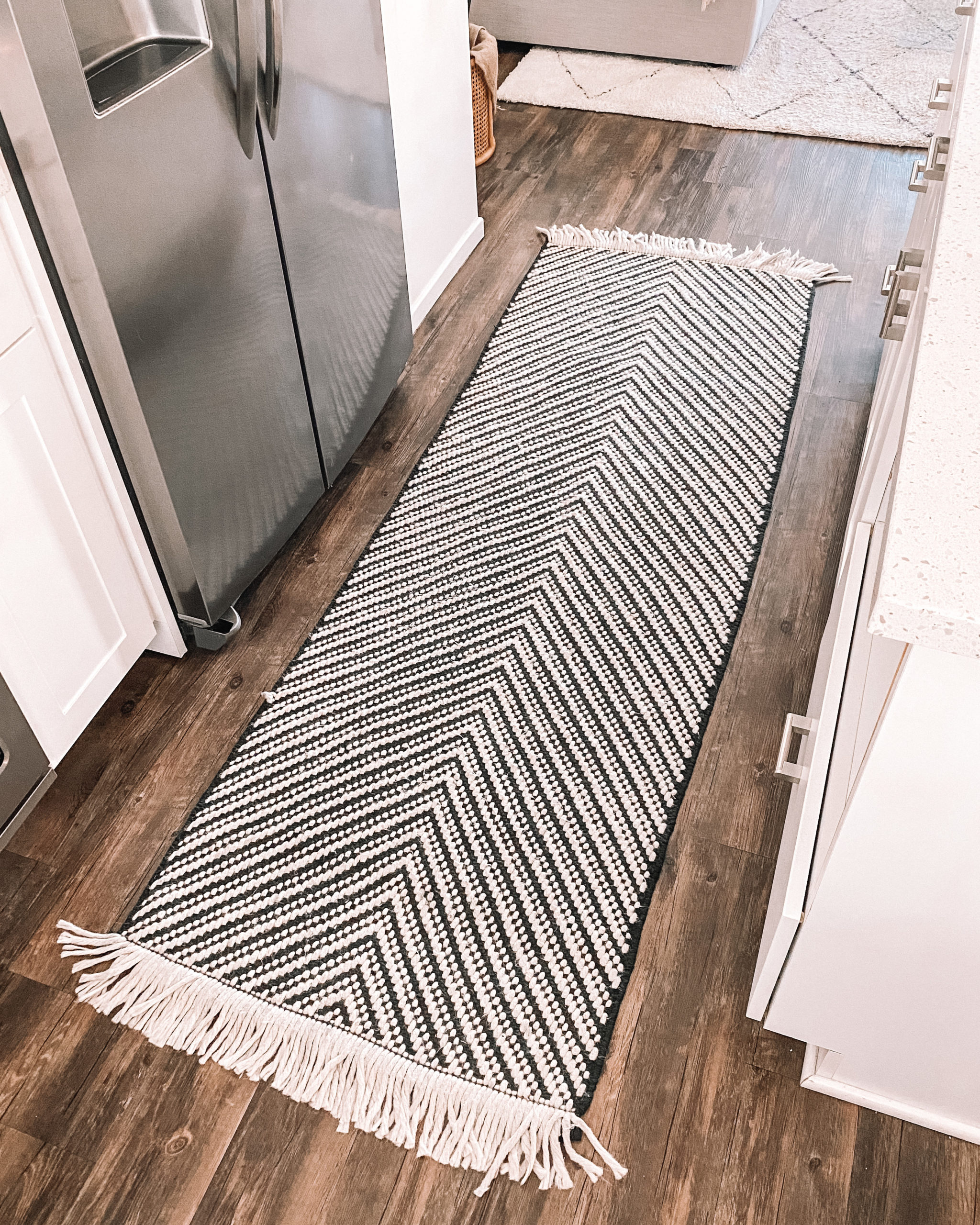 Fashion Jackson Kitchen Runner