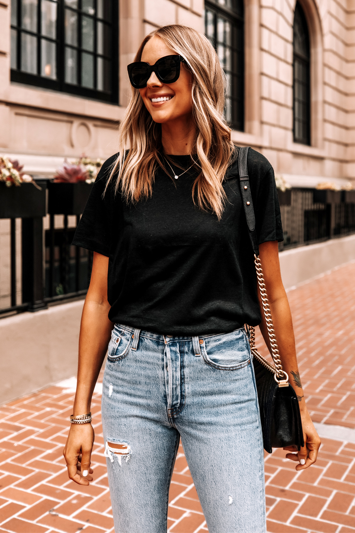 Fashion Jackson Wearing Anine Bing Black Harper Tee Levis Ripped 501 Skinny Jeans