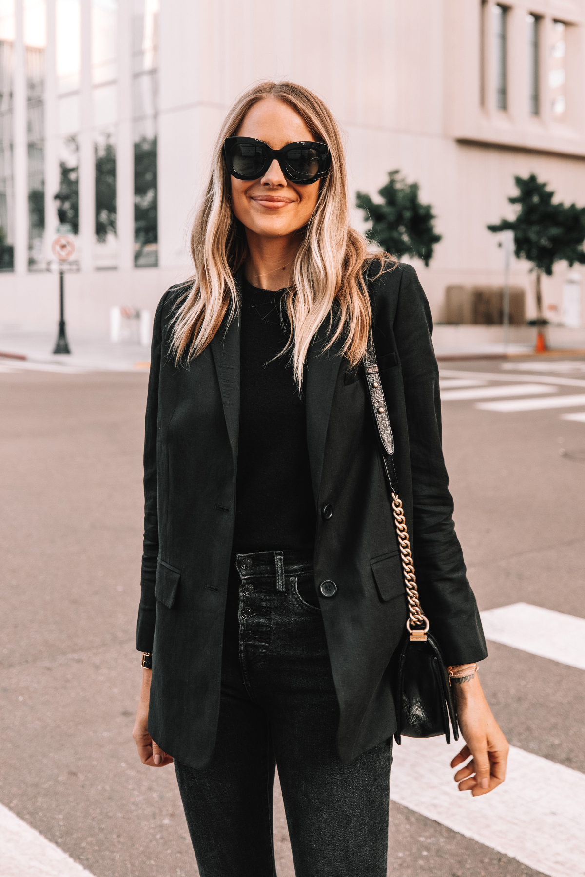 Fashion Jackson Wearing Everlane Black Blazer Everlane Black Sweater Black Skinny Jeans