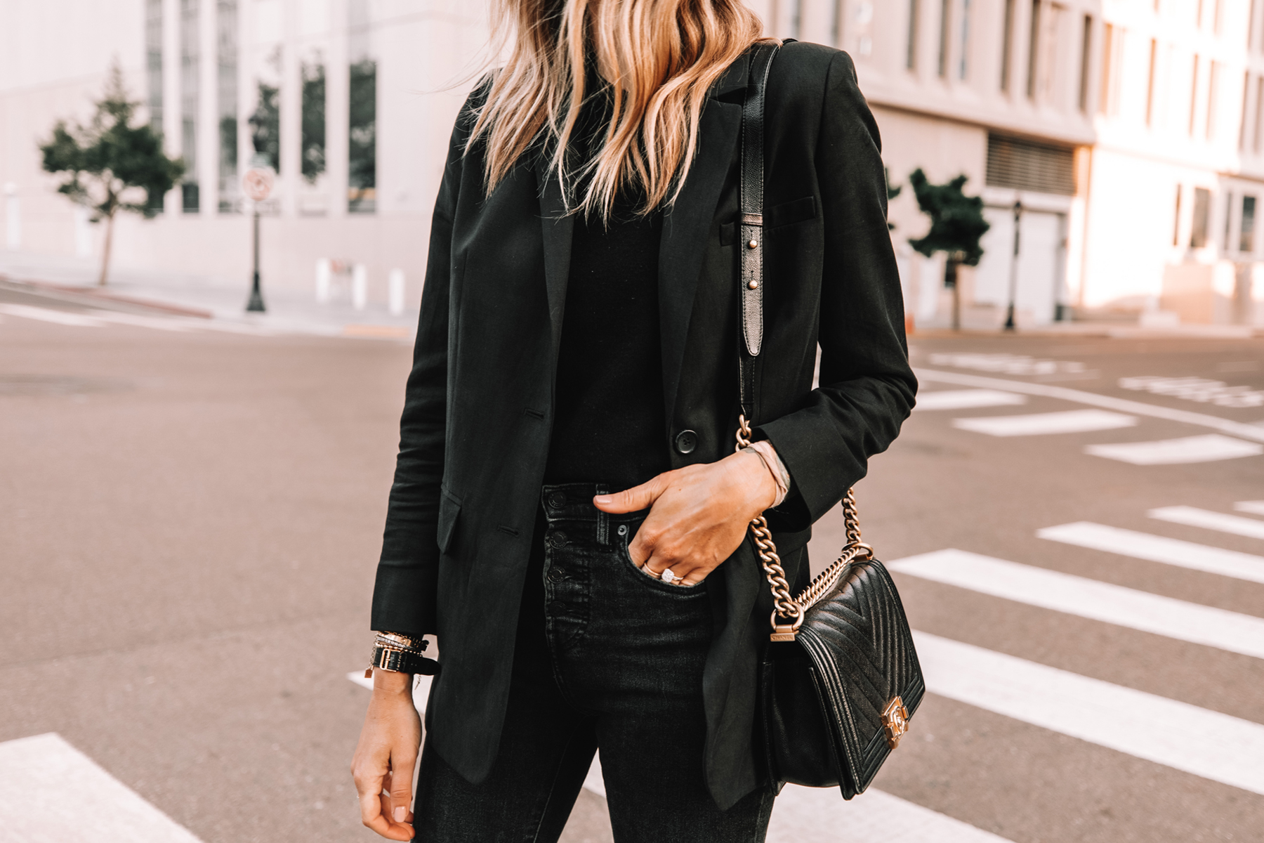 Fashion Jackson Wearing Everlane Black Linen Blazer Black Sweater Black Skinny Jeans