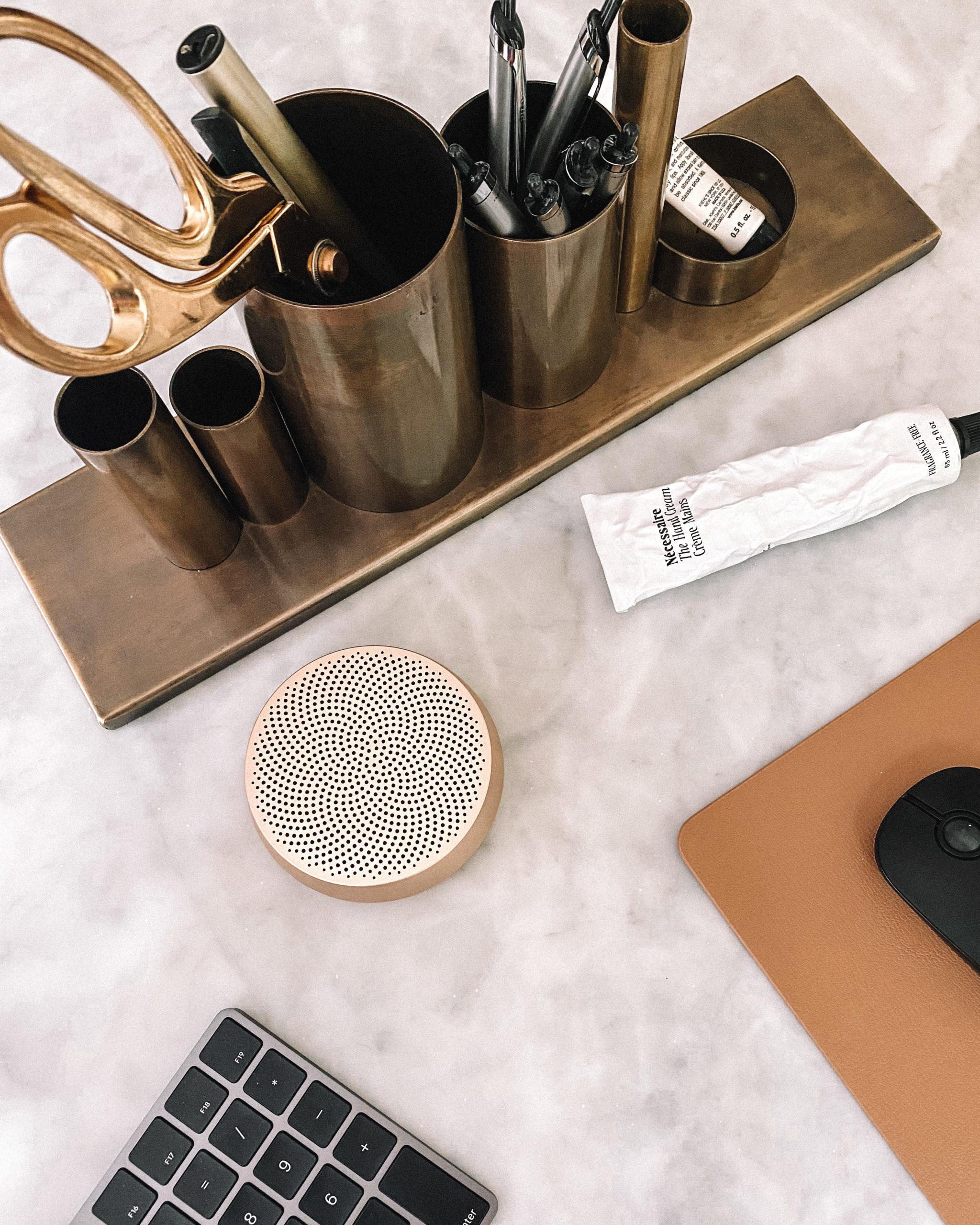 Fashion Jackson Amazon Bluetooth Gold Speaker