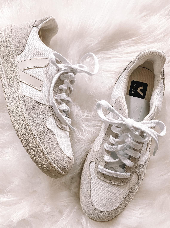 impaciente efecto ramo de flores  Veja V-10 Mesh Sneakers | Fashion Jackson