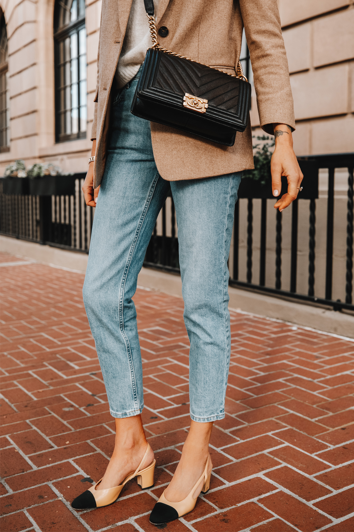 Fashion Jackson Wearing Everlane Cheeky Jeans Chanel Slingbacks Chanel Boy Bag 1